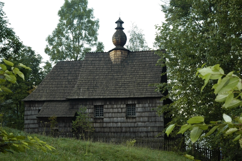 Archivo:Poland Zlobek - wooden church.JPG