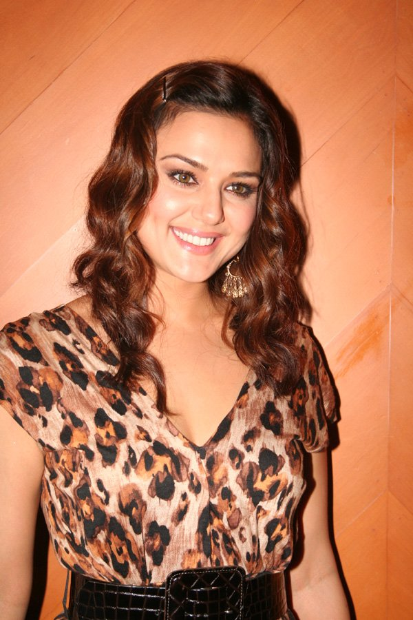 file:preity zinta.jpg - wikimedia commons