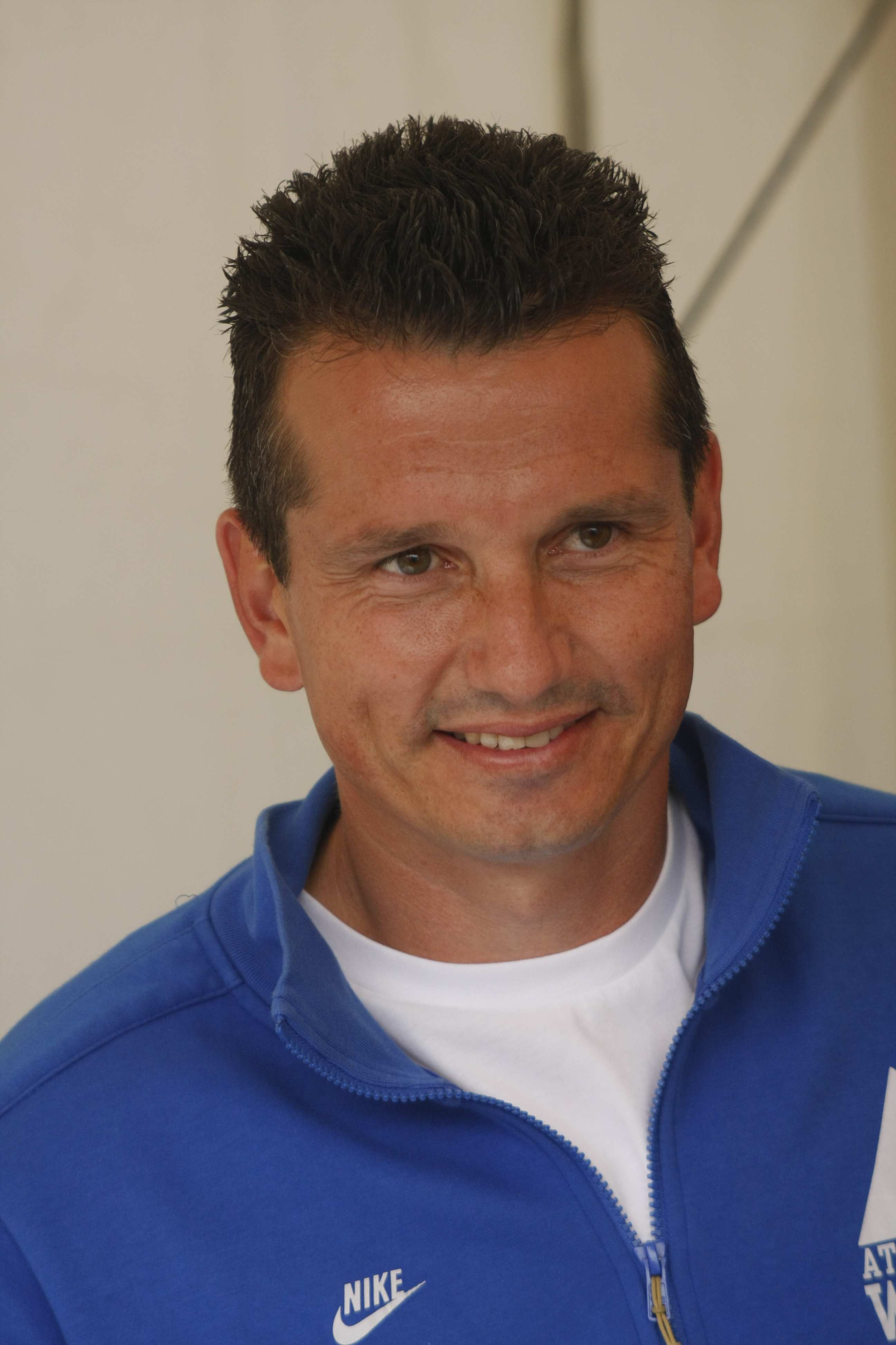The 46-year old son of father (?) and mother(?) Richard Krajicek in 2018 photo. Richard Krajicek earned a  million dollar salary - leaving the net worth at 15 million in 2018