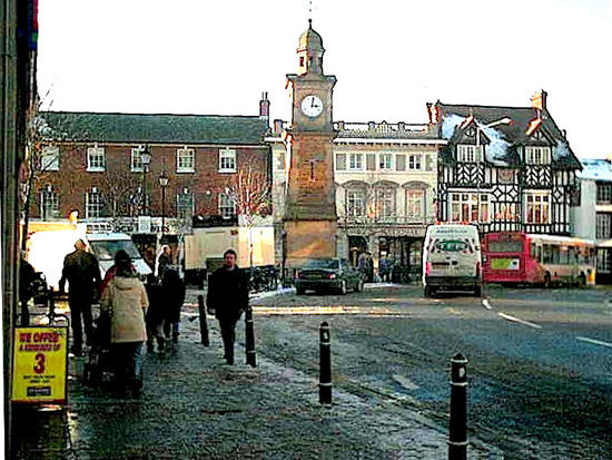 File:Rugby town centre 550.jpg - Wikimedia Commons