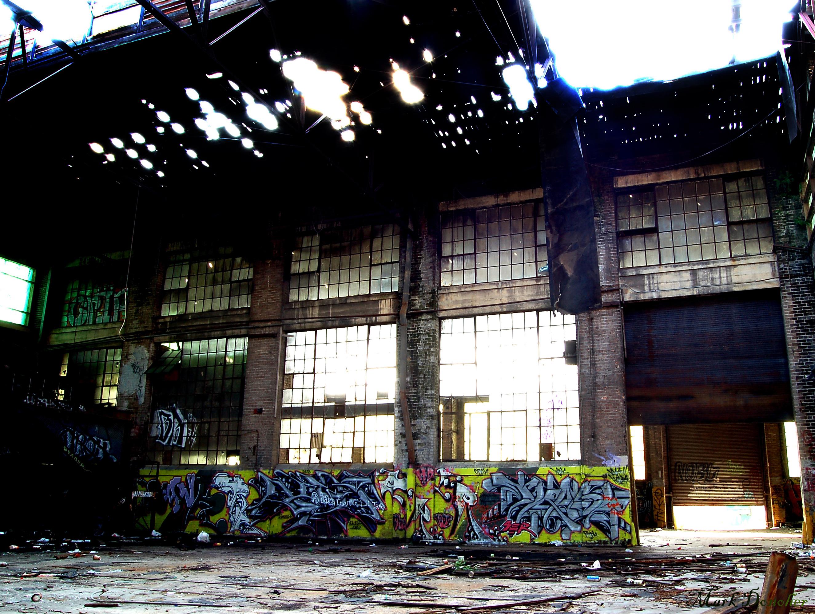 Zerstörtes Warenhaus in New Orleans nach Hurrican - Quelle: Wiki Media
