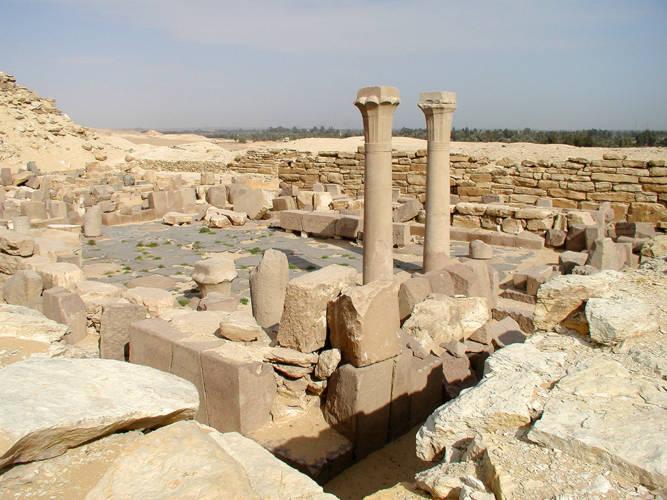 Sahure-Pyramid - Temple 02