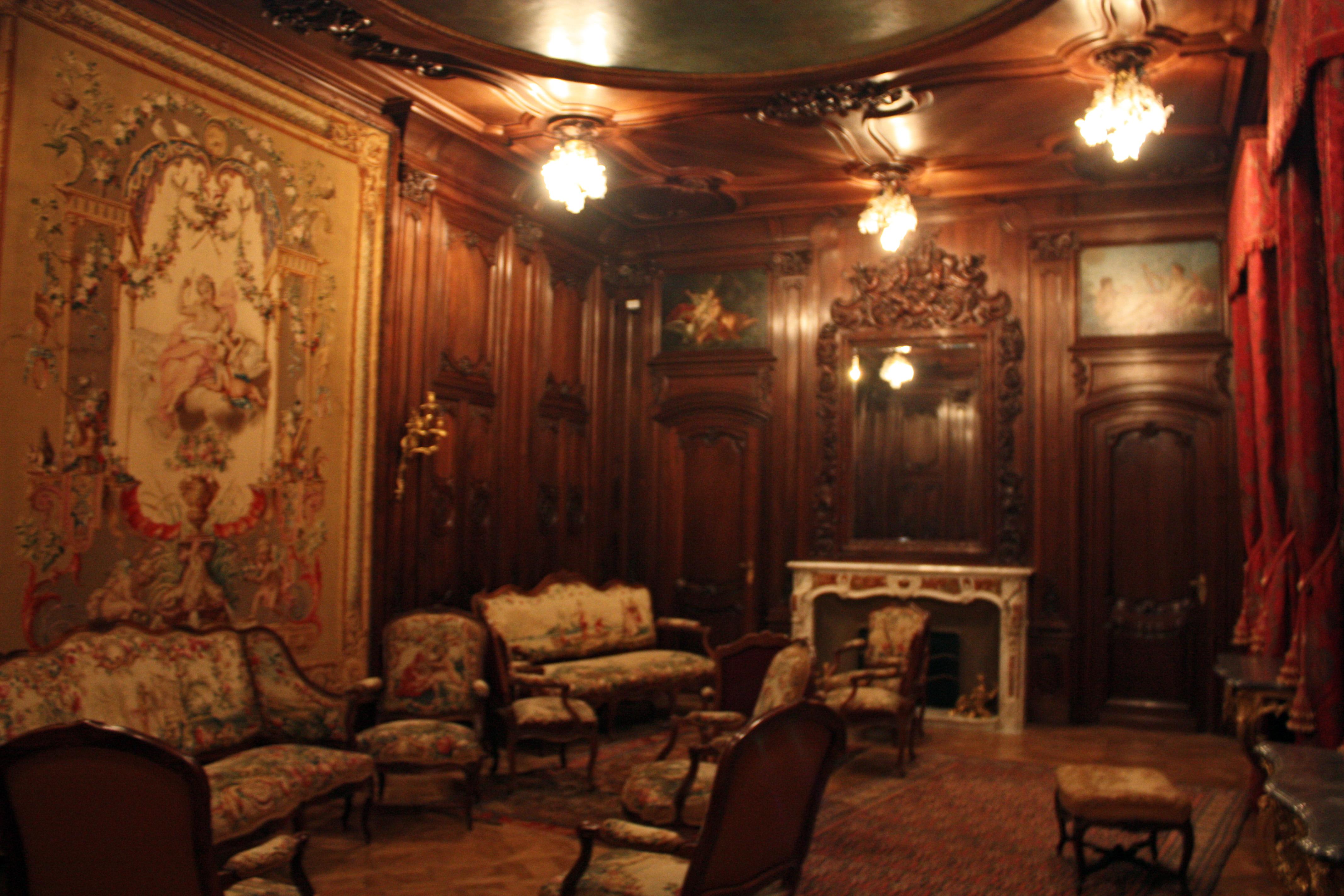 File saintes maries de la mer ch teau d 39 avignon grand salon wikimedia commons - Chateau de menetou salon visites ...