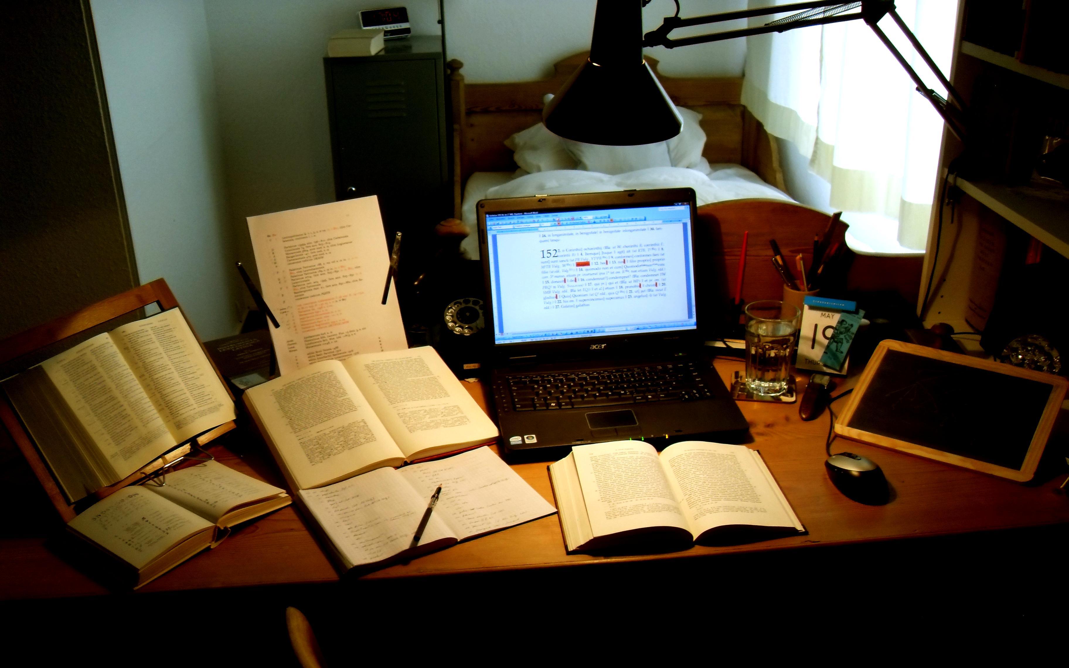 File Schreibtisch Eines Philologen Jpg Wikimedia Commons