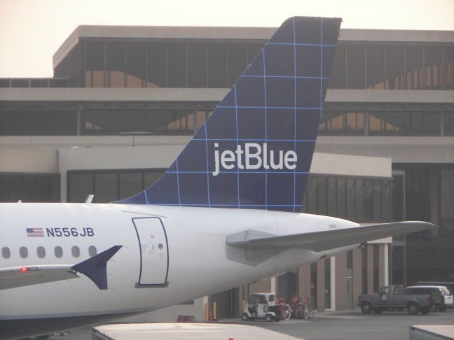 File:Tail of a jetBlue Airbus A320-232.jpg