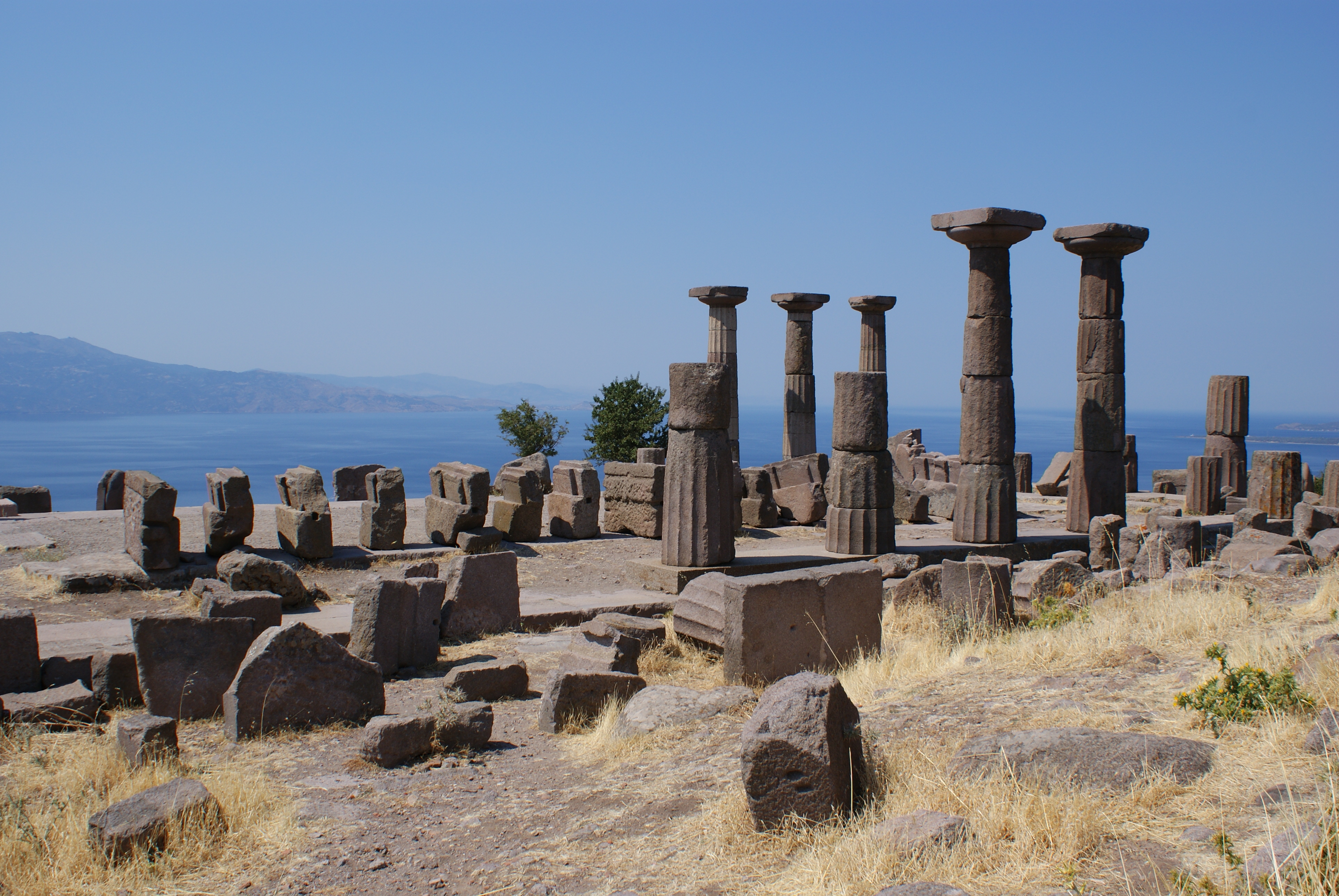 File:Temple of Athena, Assos 1.jpg - Wikimedia Commons