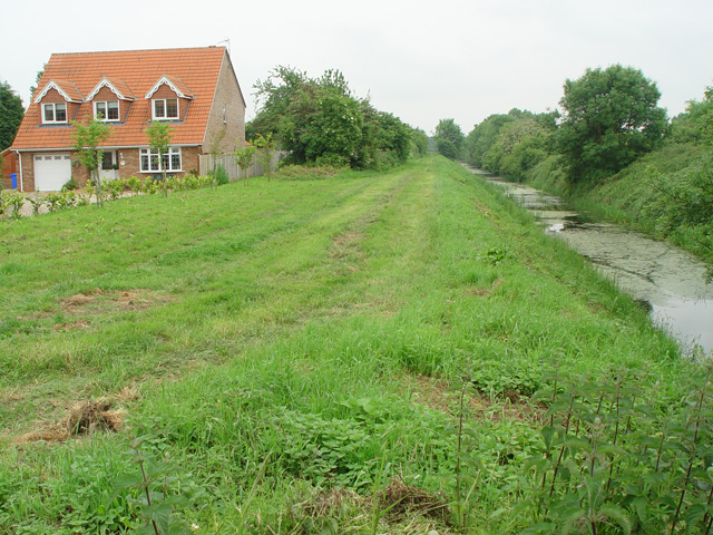 The Wilberforce Way - geograph.org.uk - 828732