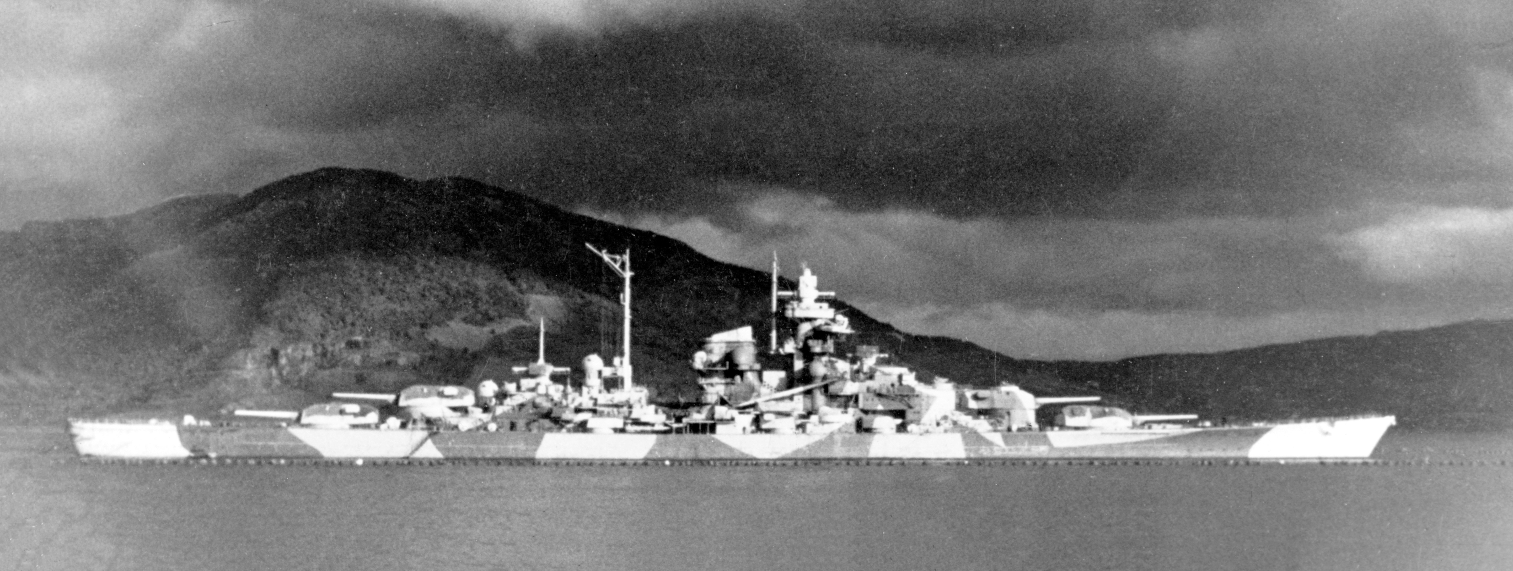Ficheiro:Tirpitz altafjord.jpg