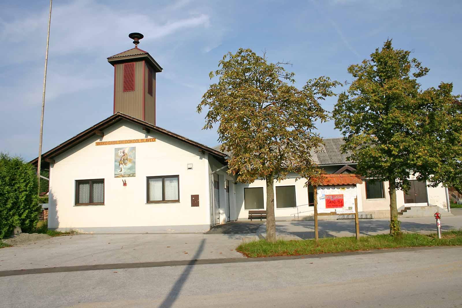 Datei Vasko Gasilski Dom Dolnji Slaveci Jpg Wikipedia