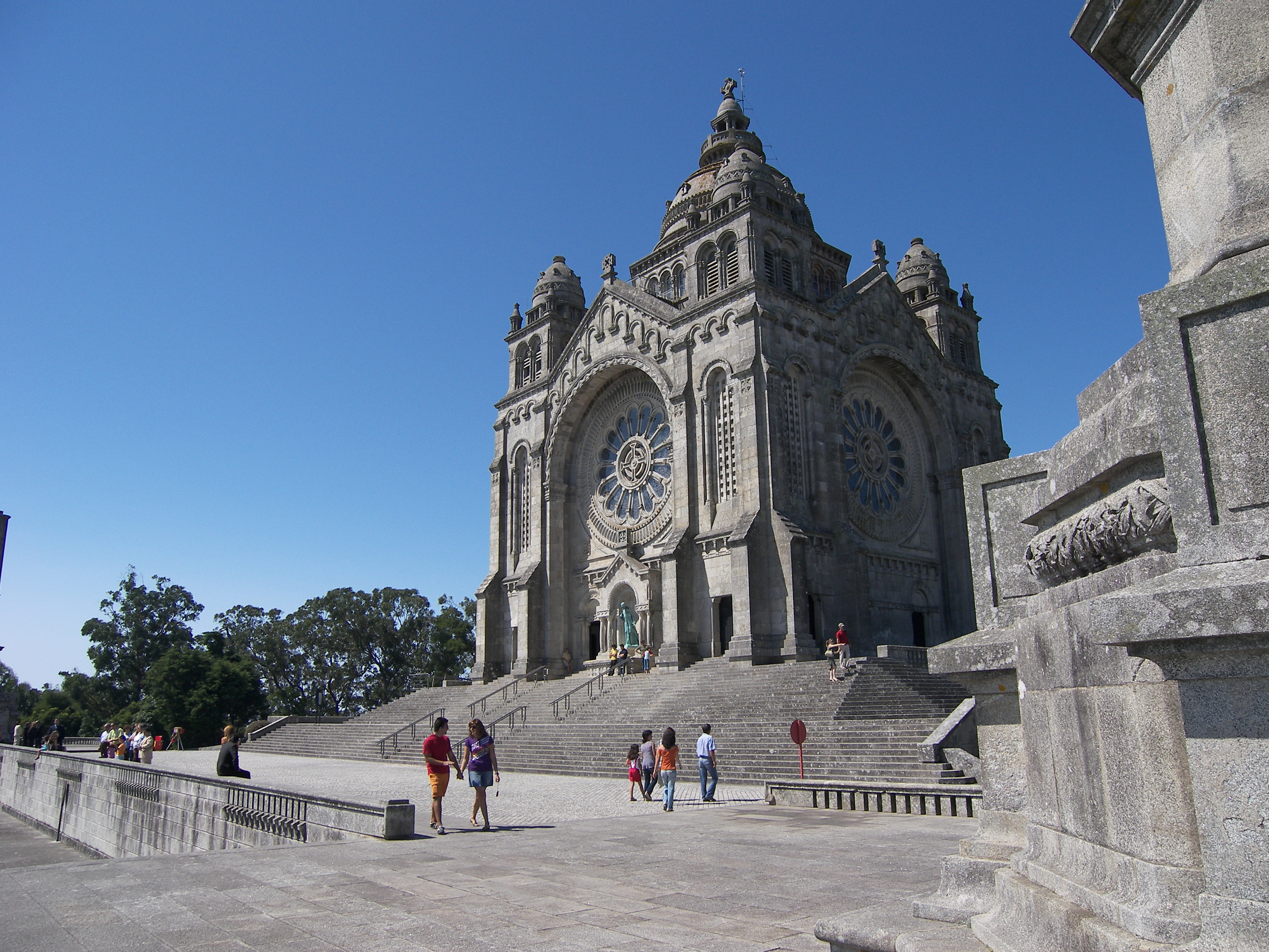 viana do castelo lesbian personals Exploring what to see and do in viana do castelo can be overwhelming, but frommer's has the definitive guide on the internet for things to do.