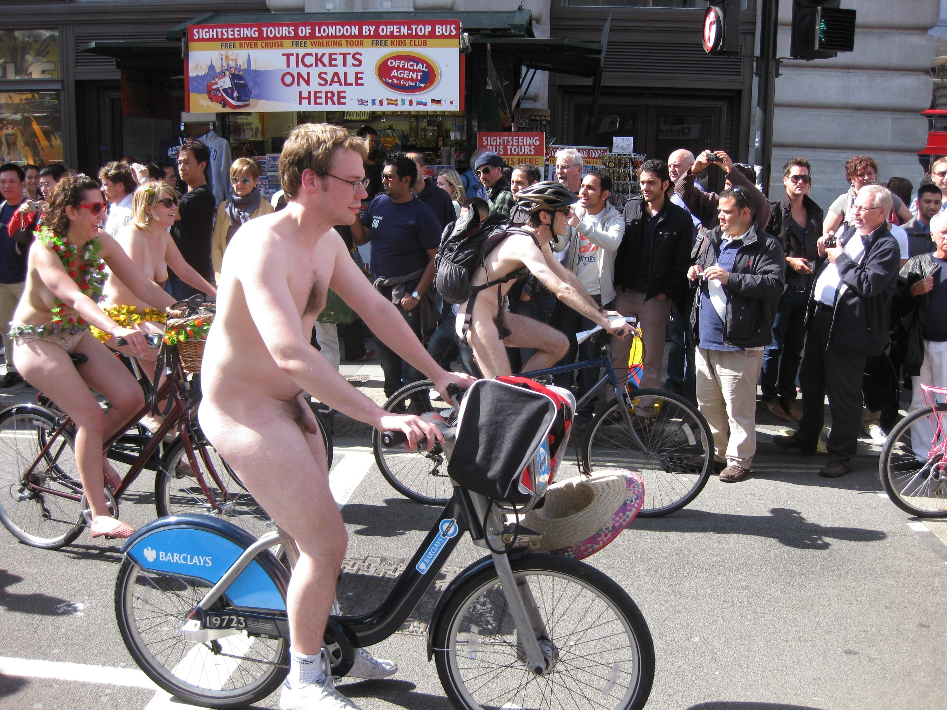 coccozella world naked bike ride