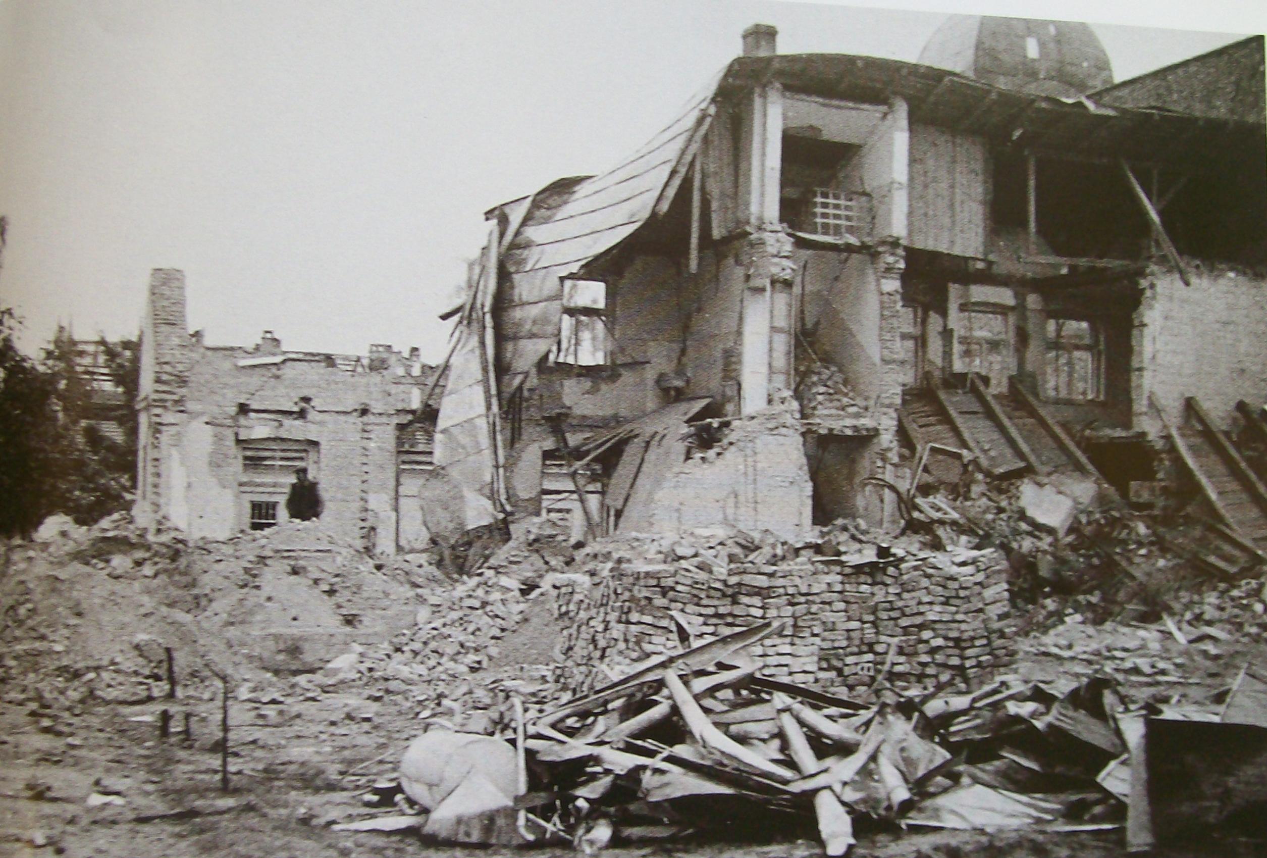 File:Wielun zbombardowaneCentrum zbombardowaneDomy rozbiórka ruin.jpg ...