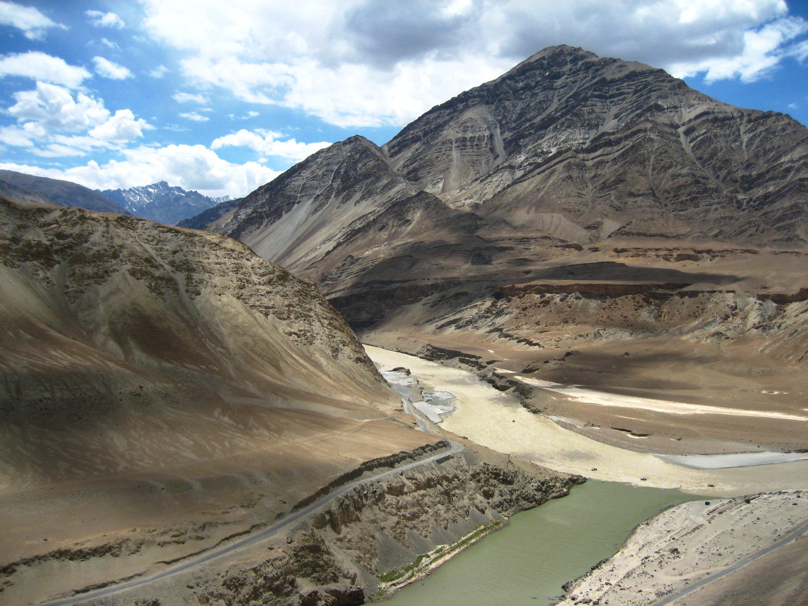 Description zanskar and indus river confluence in ladakh