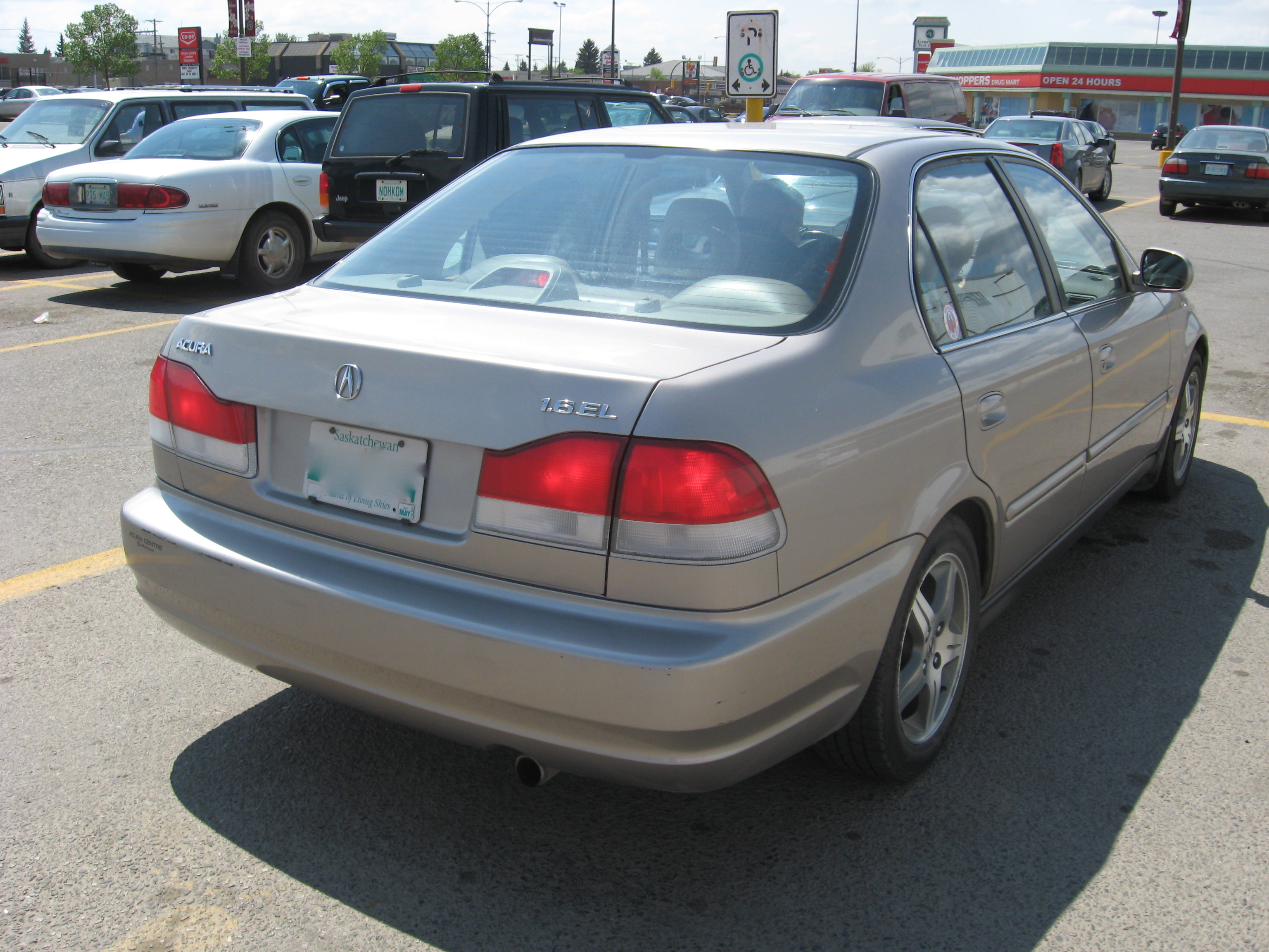 File:'00 acura 1.6 el.JPG - Wikimedia Commons