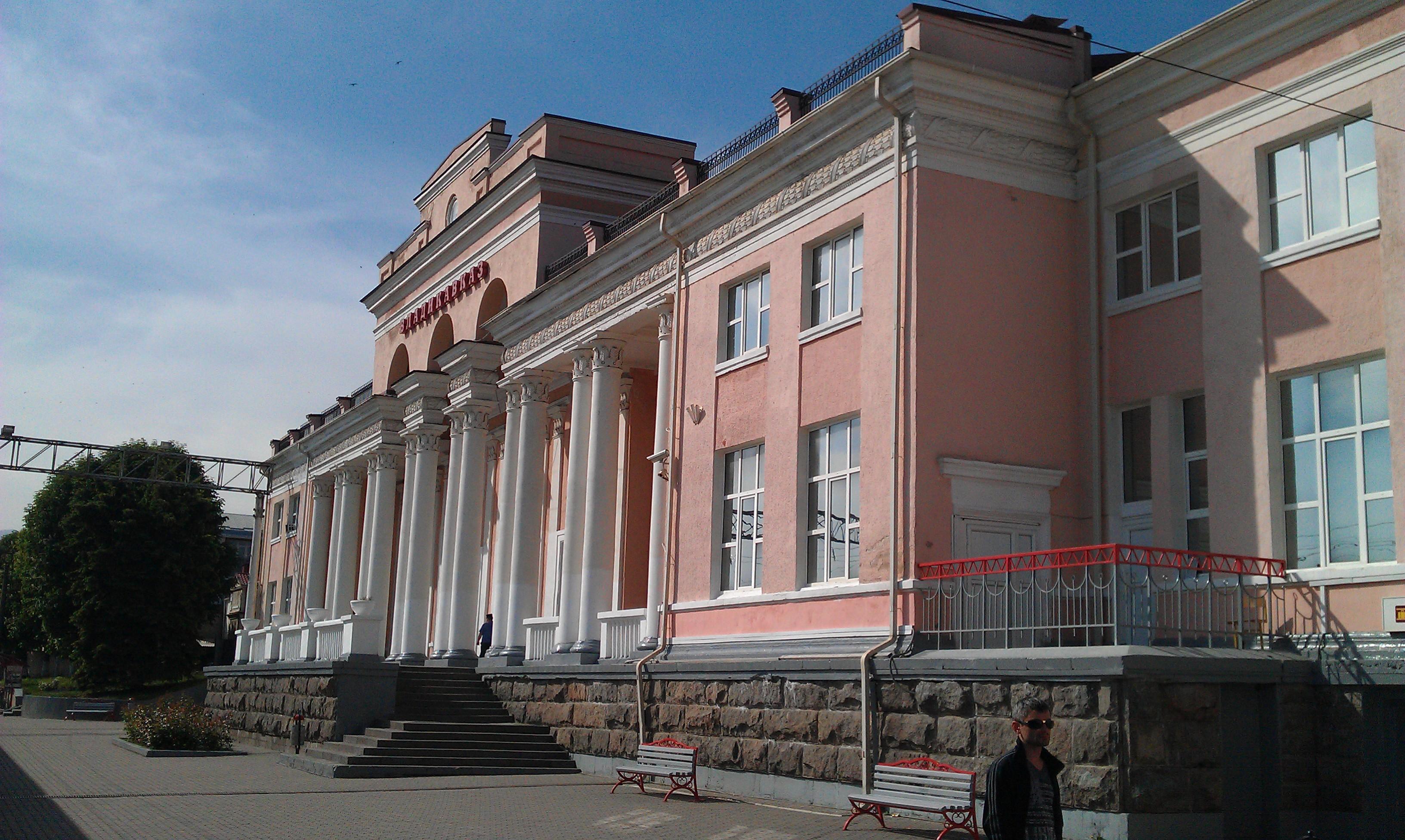 Завод горного машиностроения в Владикавказ роторная дробилка см 75 или 85 б/у