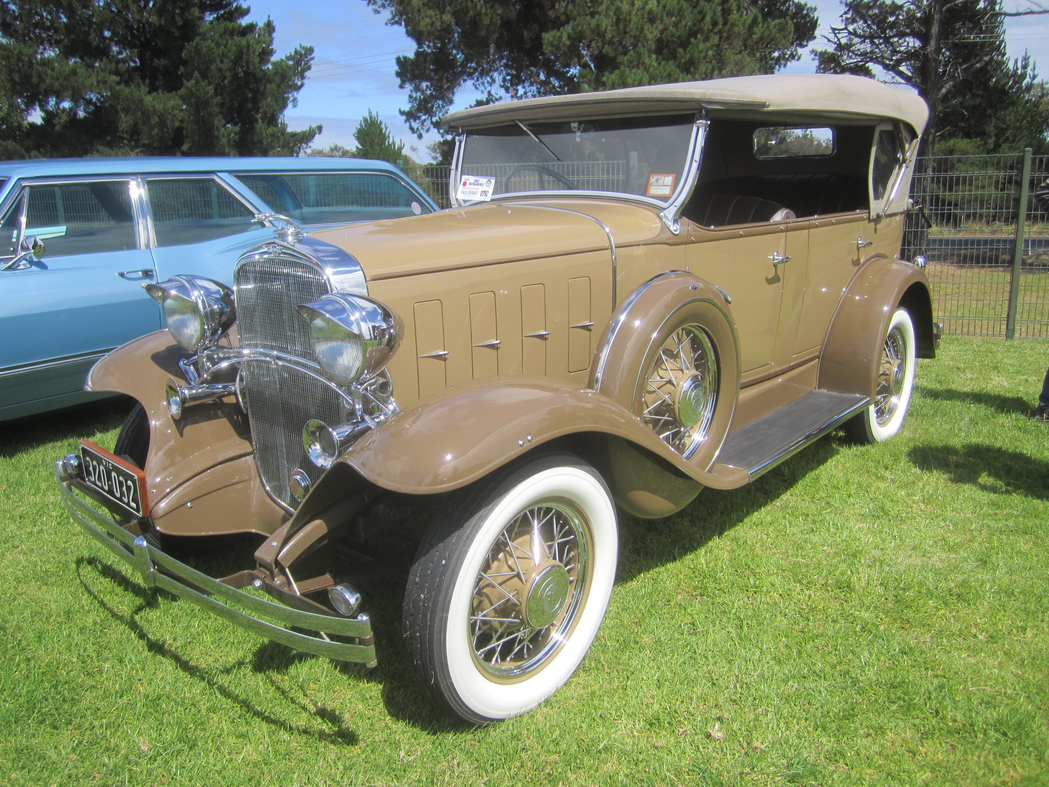 File 1932 Chevrolet Ba Confederate Phaeton Jpg Wikimedia