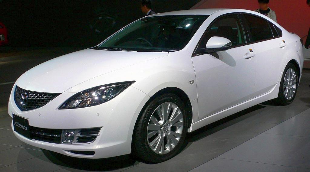 File:2007 Mazda Atenza-Sedan 01.jpg - Wikimedia Commons