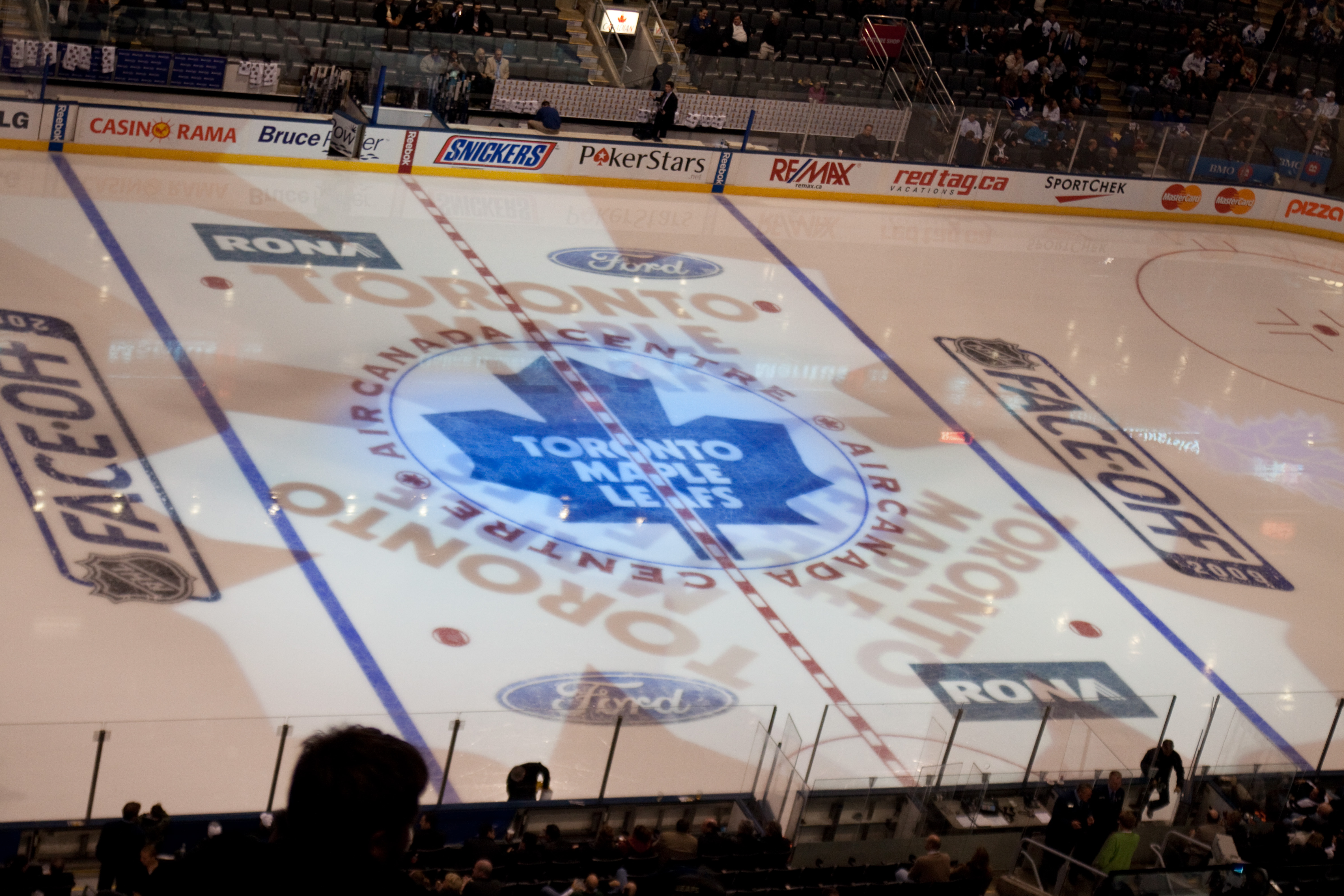 Check Out The Wonderful Air Canada Centre Places Boomsbeat