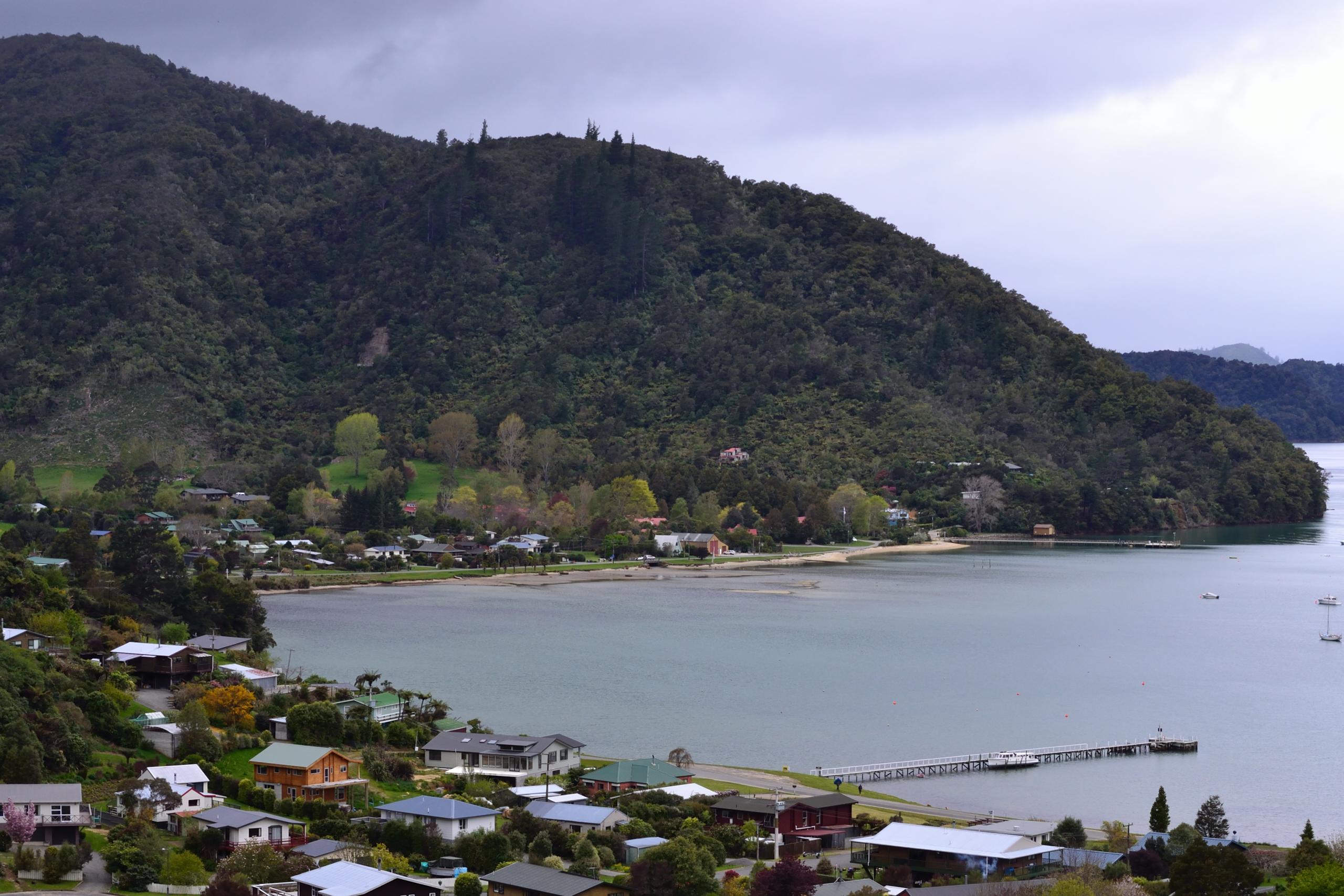 New Zealand Wikipedia: File:Anakiwa, New Zealand.jpg