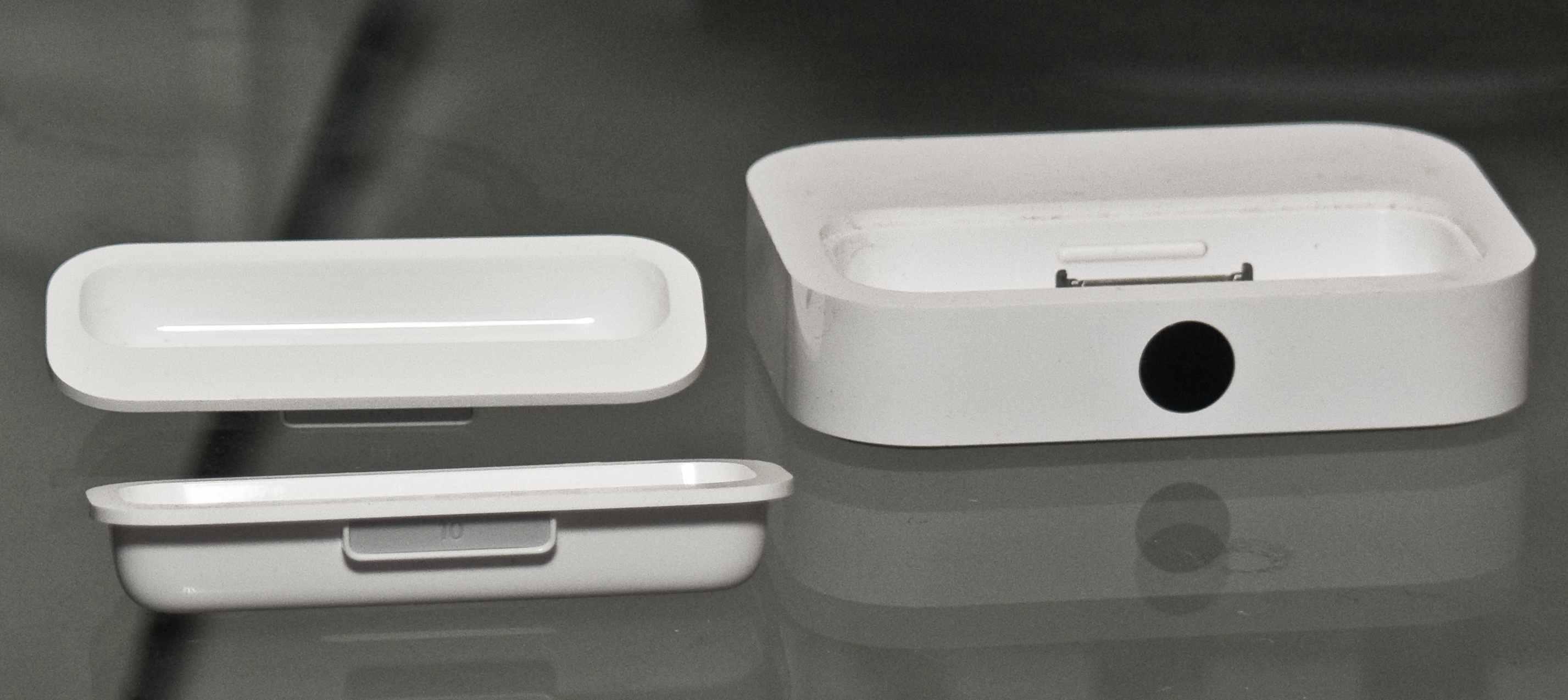 Iphone  Dock And Speaker