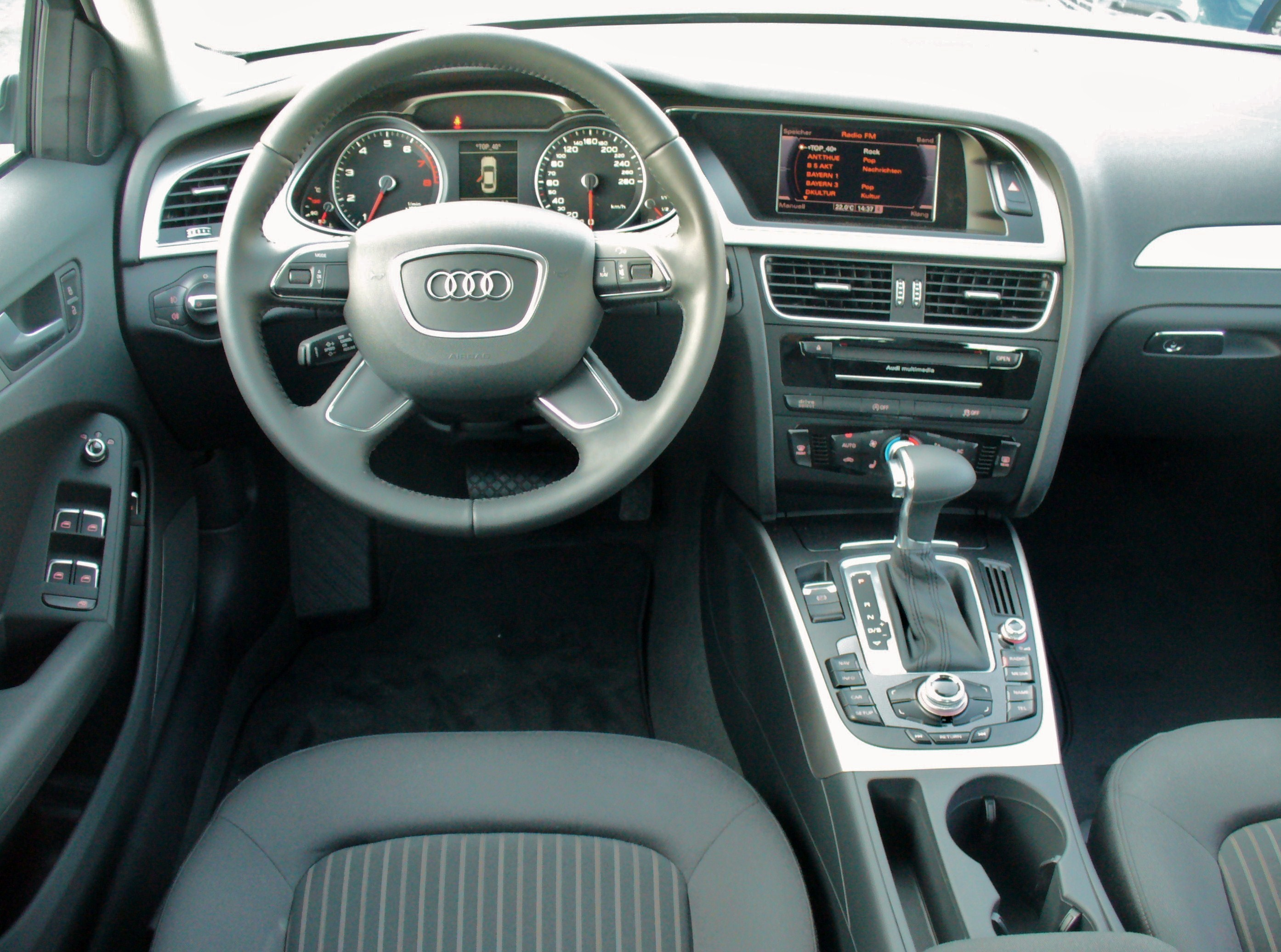 Datei audi a4 b8 facelift limousine ambiente 1 8 tfsi for Interieur wikipedia