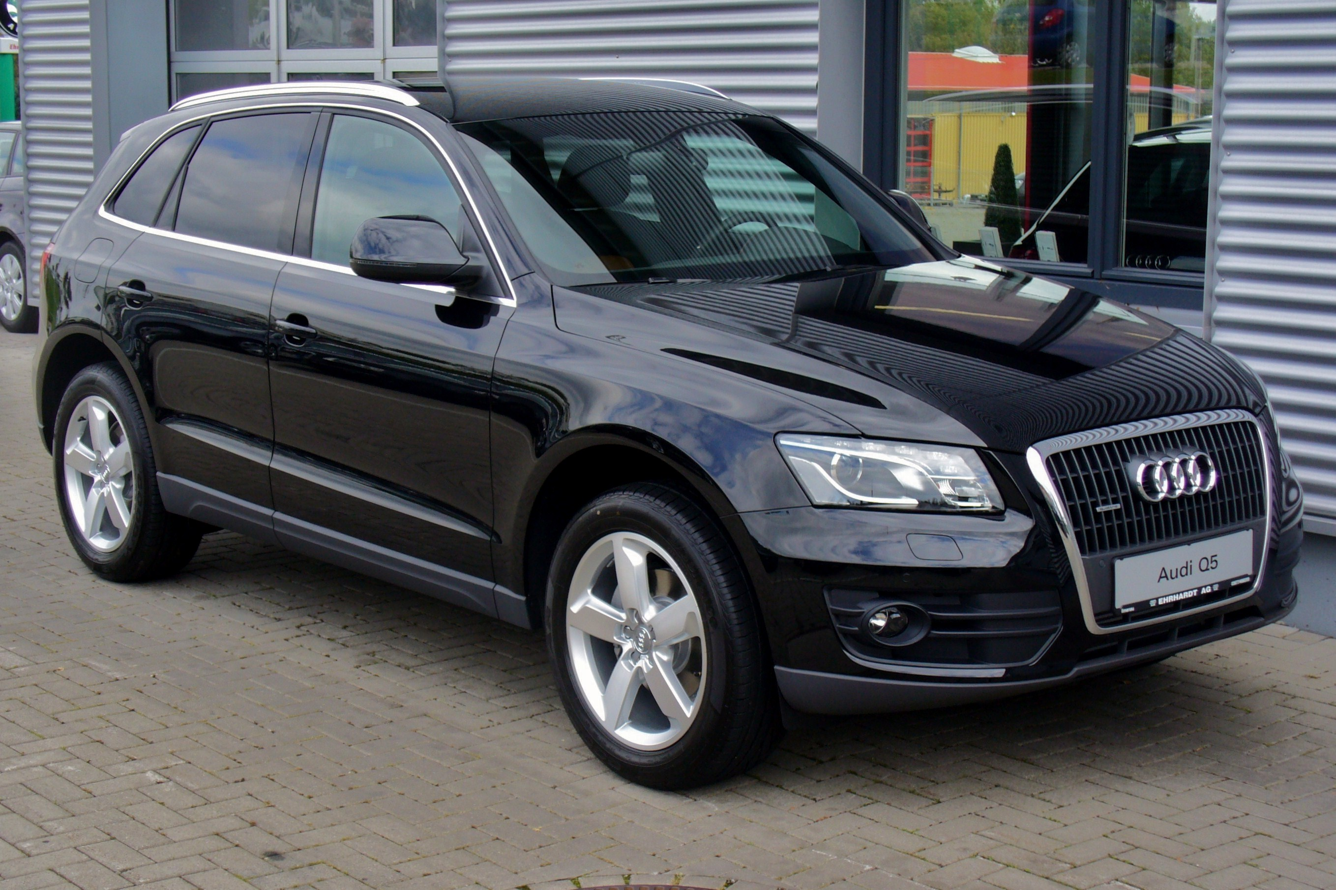 file audi q5 2 0 tdi quattro s tronic 30 jahre quattro phantomschwarz jpg wikimedia commons. Black Bedroom Furniture Sets. Home Design Ideas