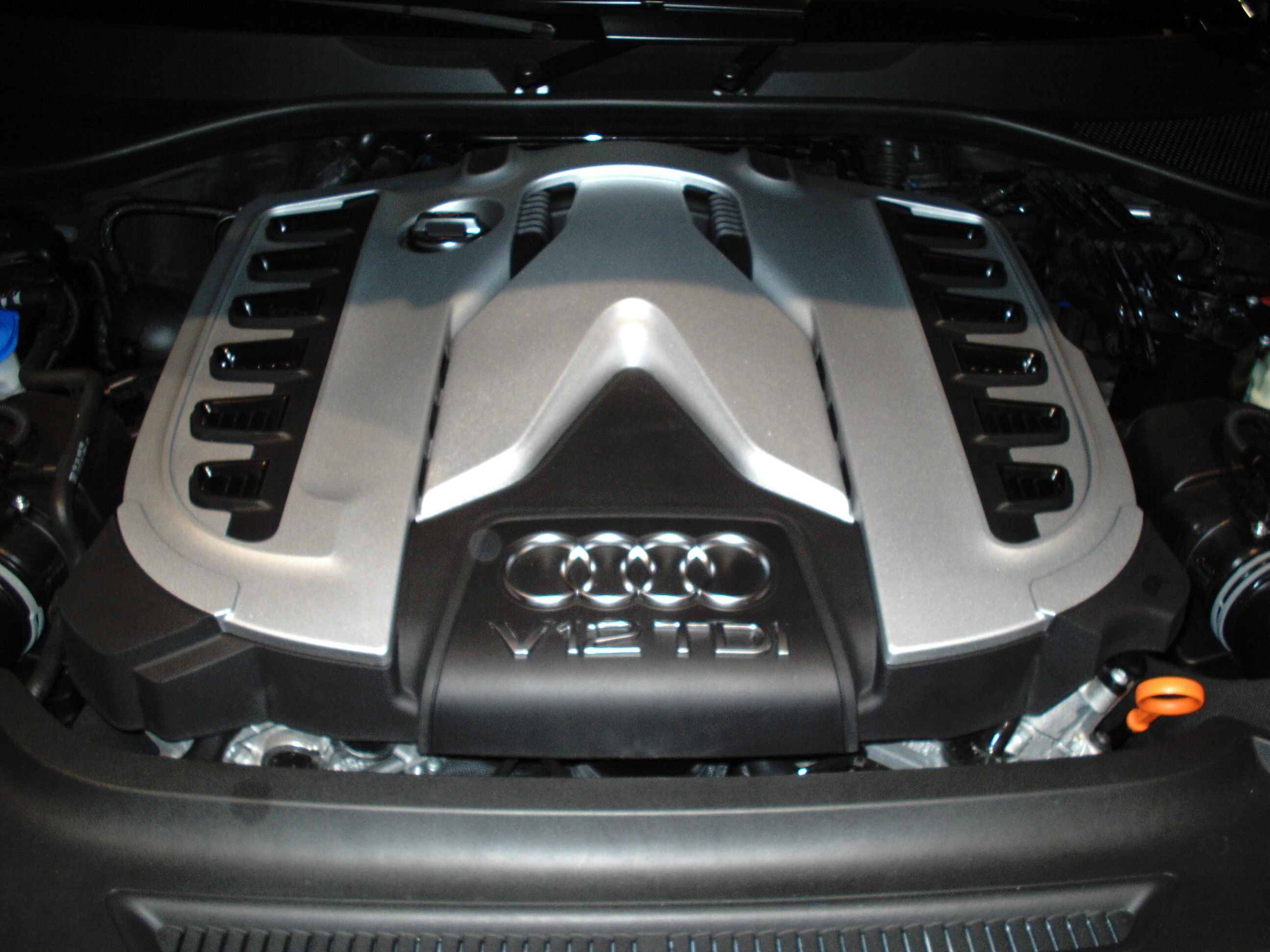 File Audi Q7 V12 Tdi Engine Front View Jpg Wikimedia Commons
