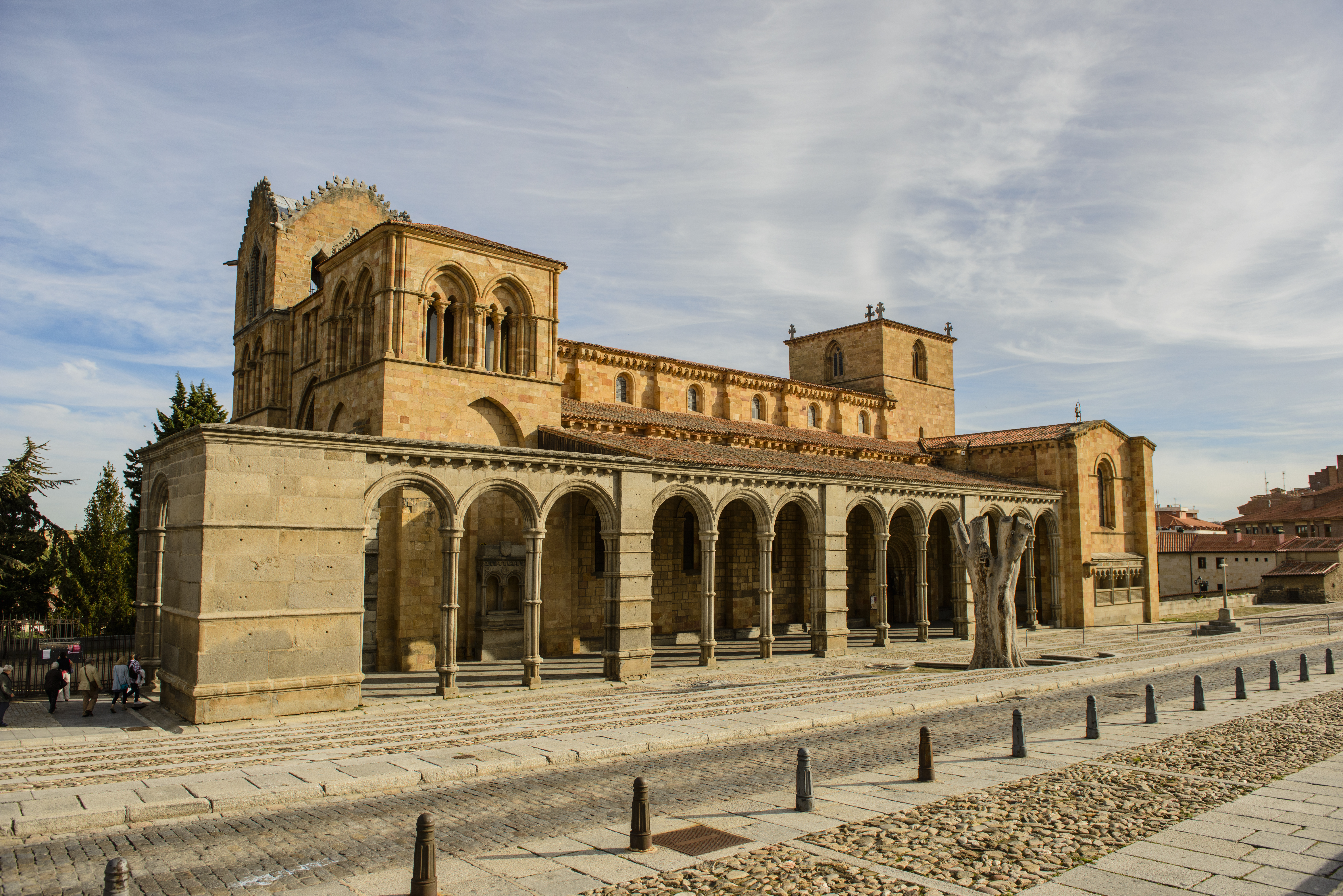 File Basilica Of San Vicente ávila España Jpg Wikipedia
