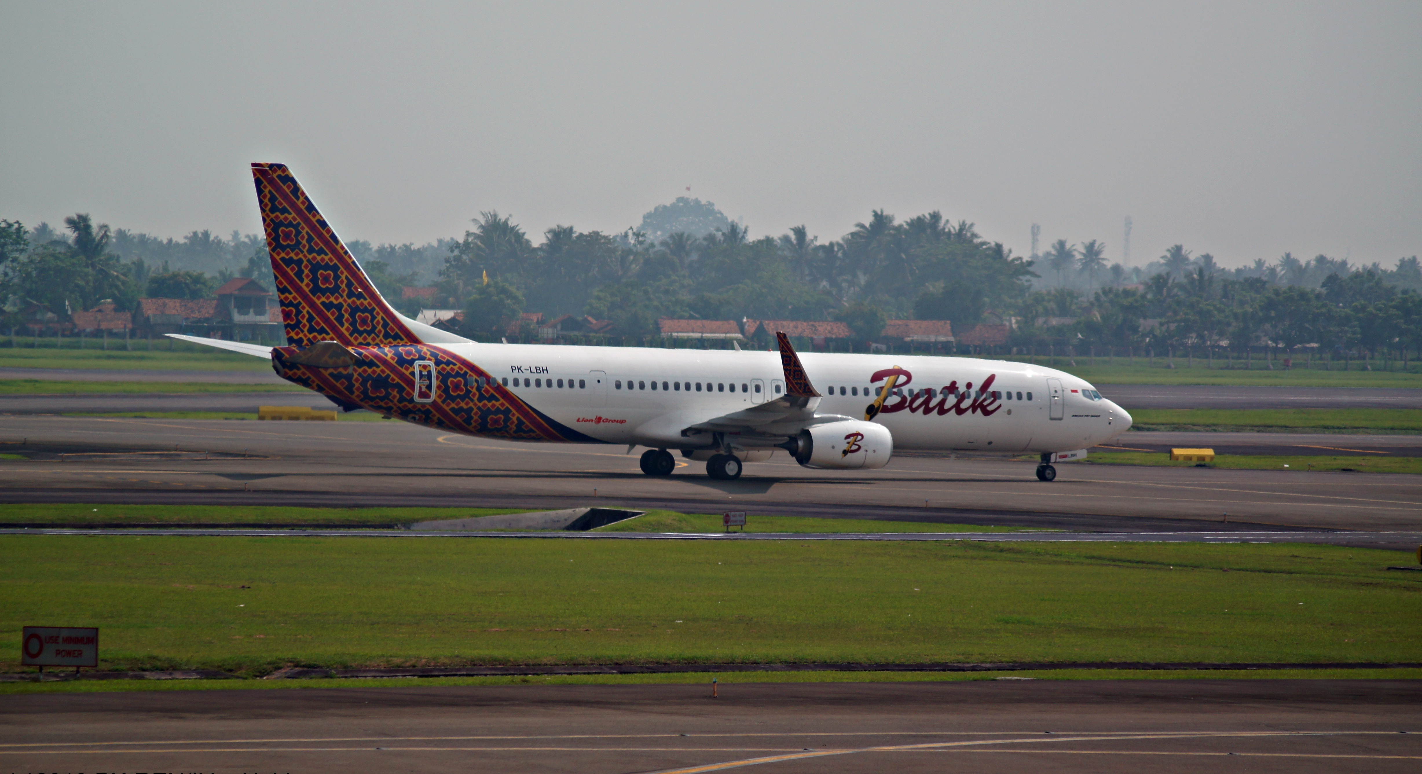 Filebatik air boeing 737 9gper cgk 2013g wikimedia commons filebatik air boeing 737 9gper cgk 2013g stopboris Image collections