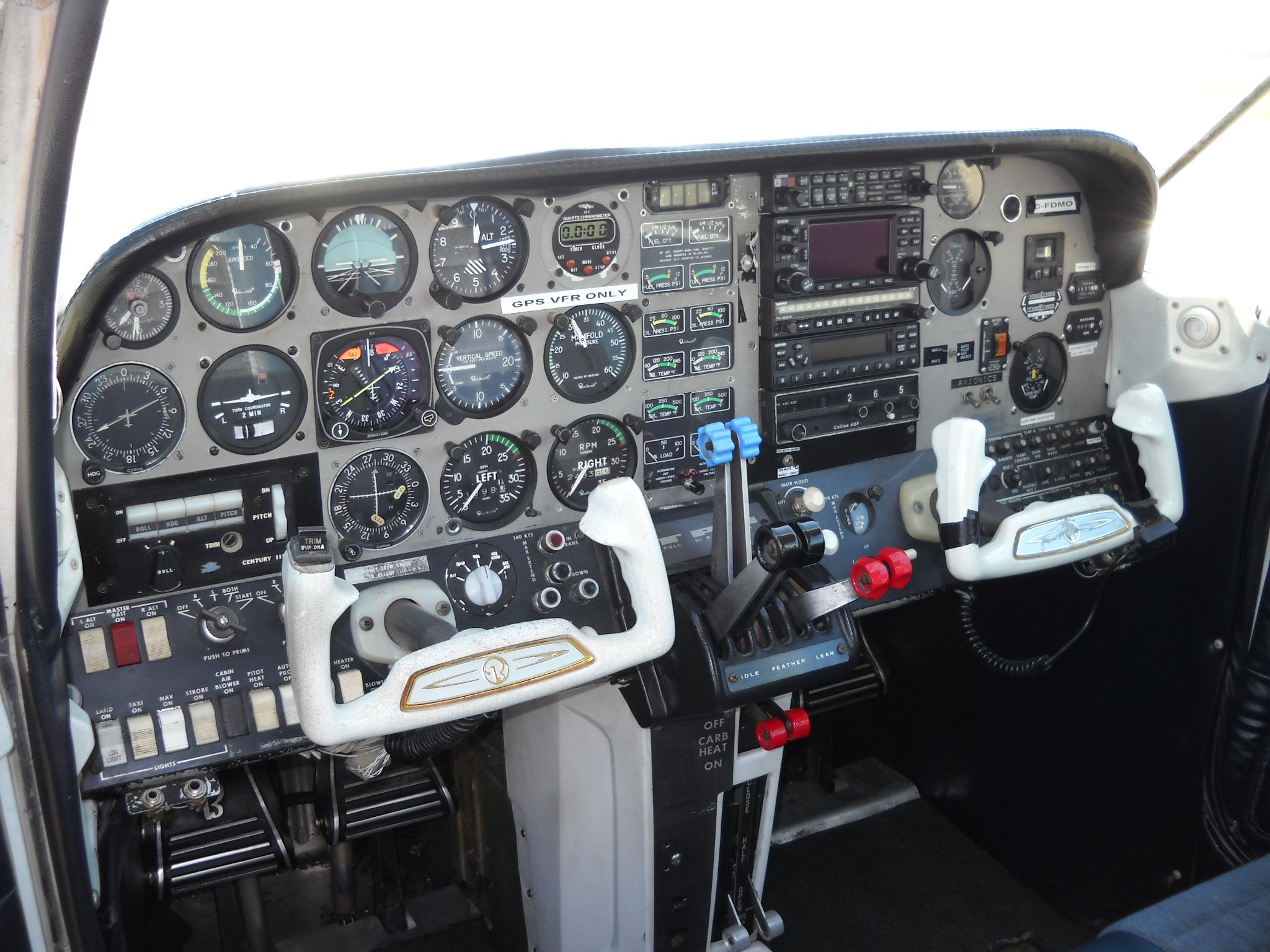 File:Beechcraft 76 Duchess C-FDMO instrument panel 01 JPG