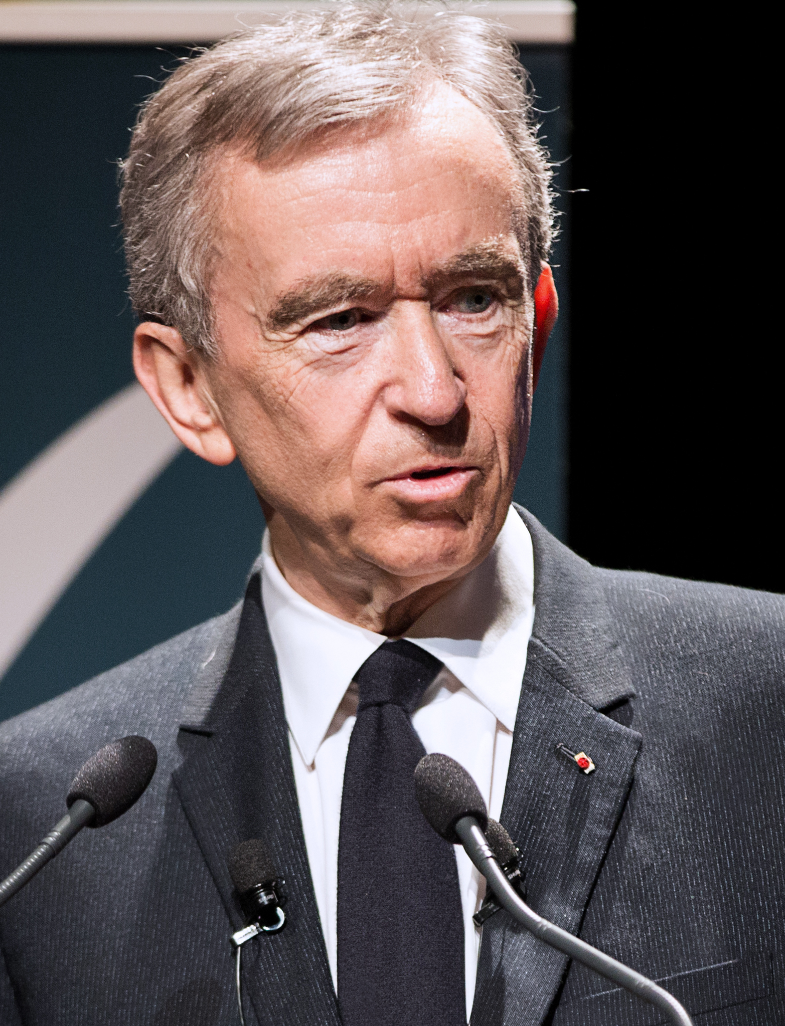 The 69-year old son of father Jean Arnault and mother(?) Bernard Arnault in 2018 photo. Bernard Arnault earned a  million dollar salary - leaving the net worth at 37000 million in 2018