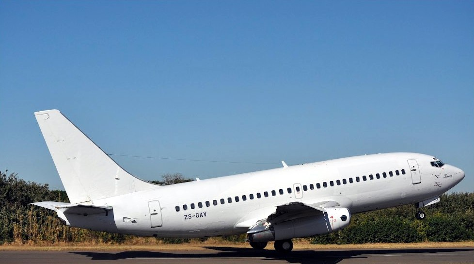 how to fly a real boeing 737