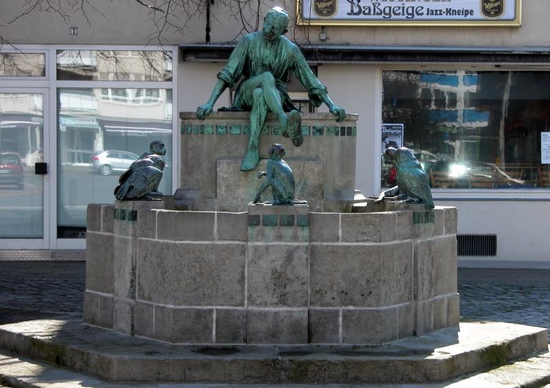 Die Liste der Brunnen in Braunschweig Braunschweig_Brunswick_Eulenspiegelbrunnen_%282006%29