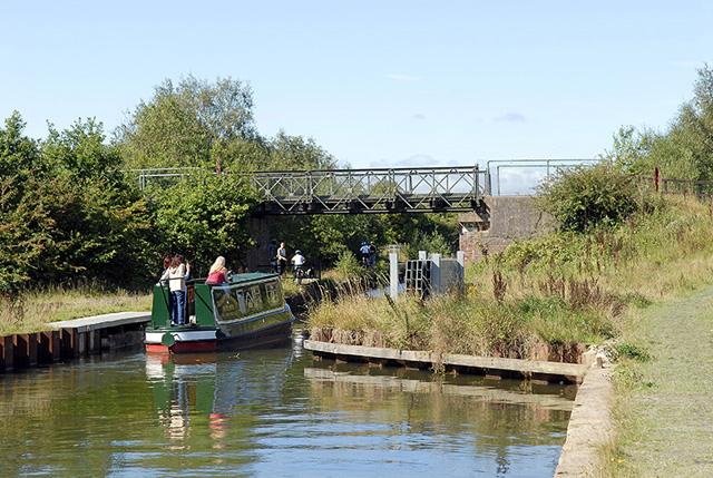 Bridgewater Canal, Astley Green - geograph.org.uk - 924709