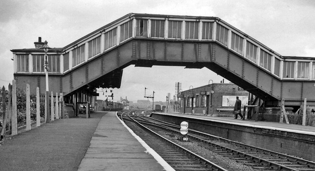 Broadfield Station View eastward, towards Rochdale; ex-Lancashire & Yorkshire Bolton - Bury - Rochdale line. Station and line closed 5/1/70.