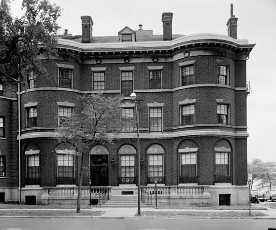 Gateway Place Apartments: File:Bryan Lathrop House, 120 East Bellevue Place, Chicago