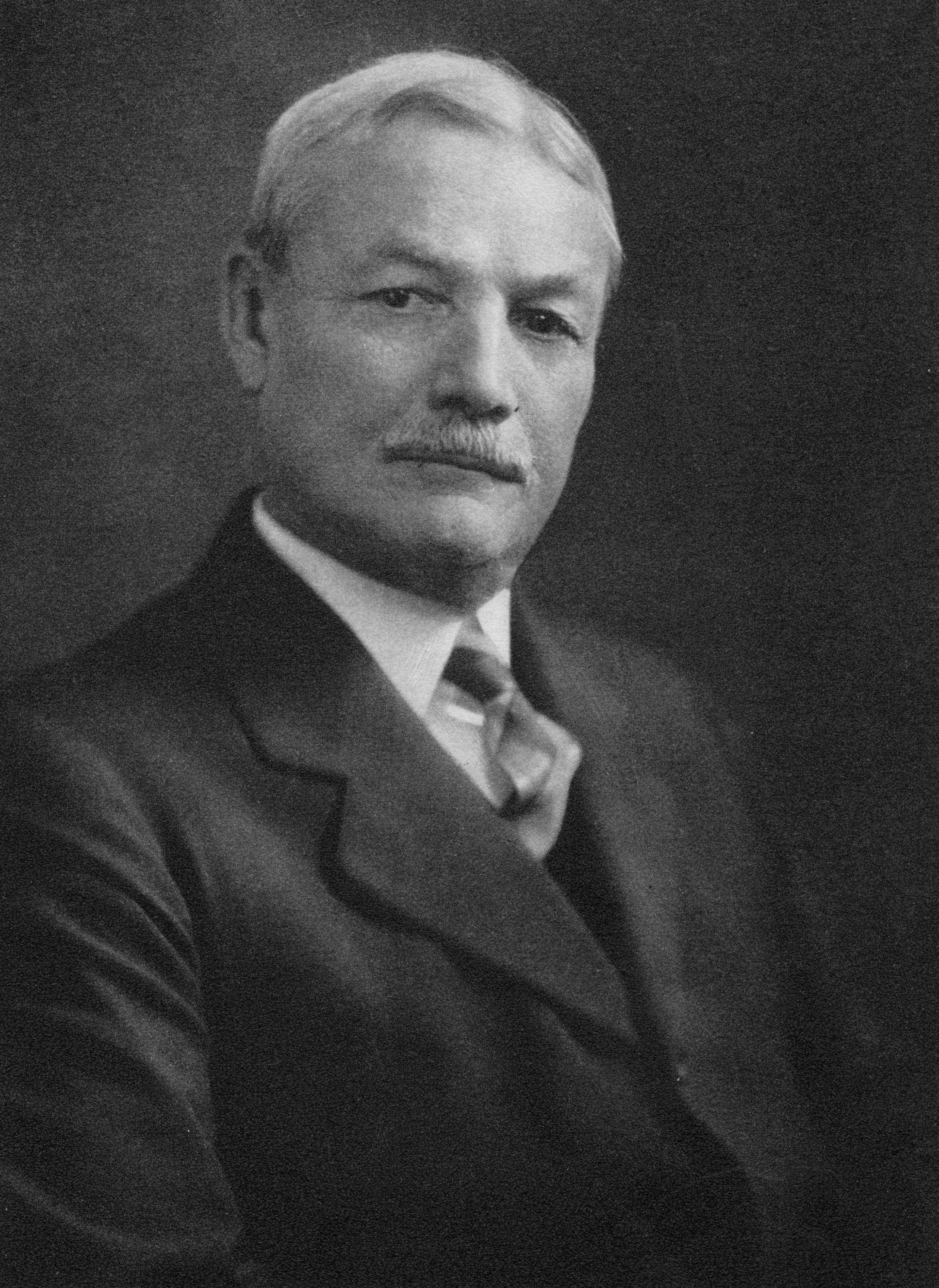 Charles McLean Andrews