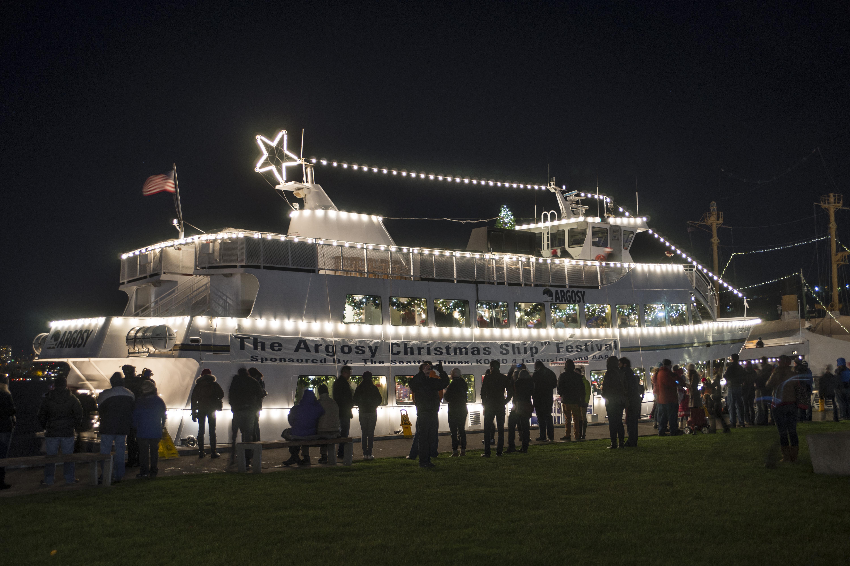 filechristmas ships at lake union park 21085384753jpg - Argosy Christmas Ships 2014