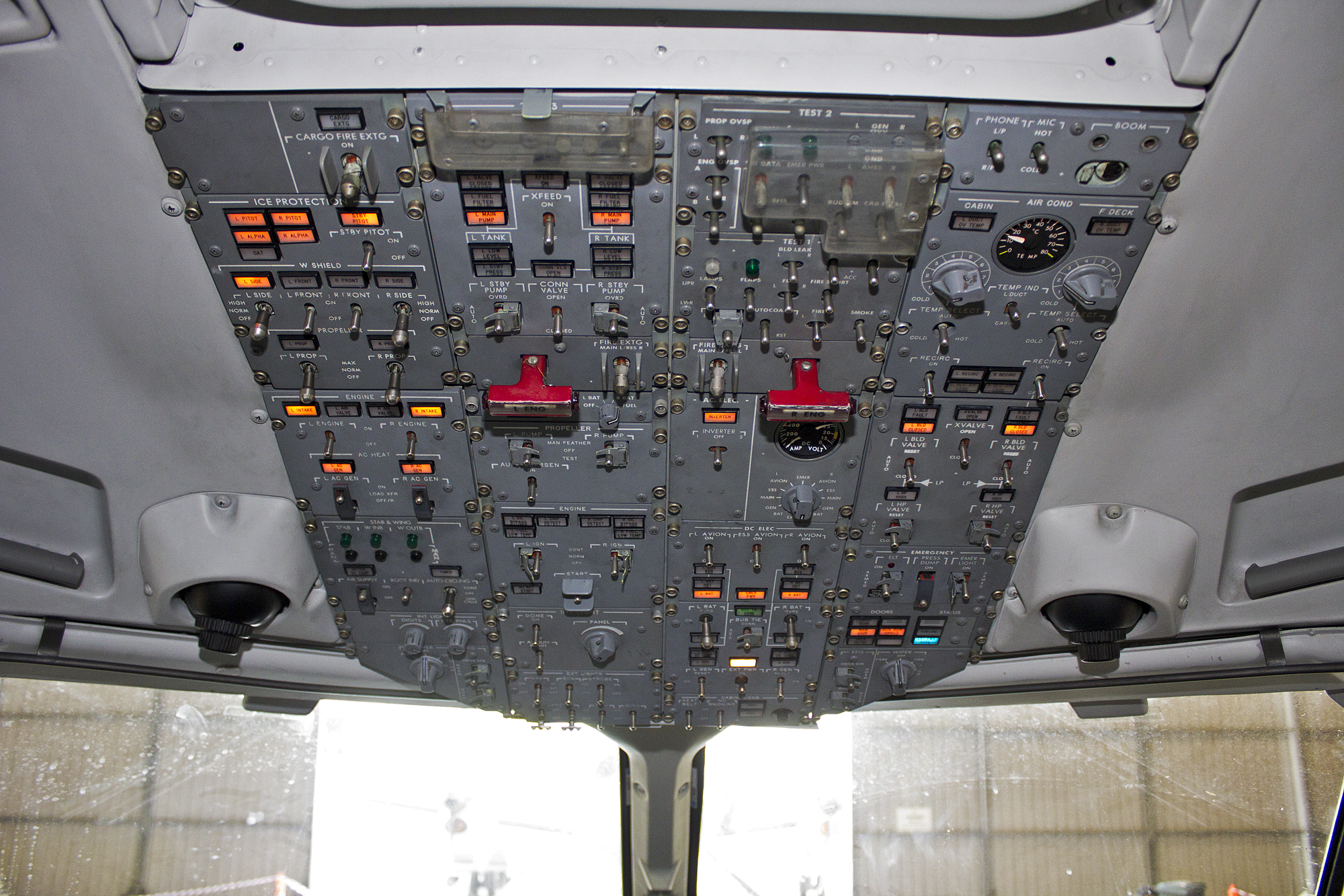 File:Cockpit of Regional Express Airline's (VH-TRX) SAAB 340B (1