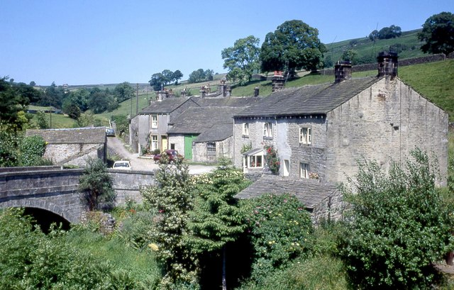 Cottages at Hebden,1973 - geograph.org.uk - 500774