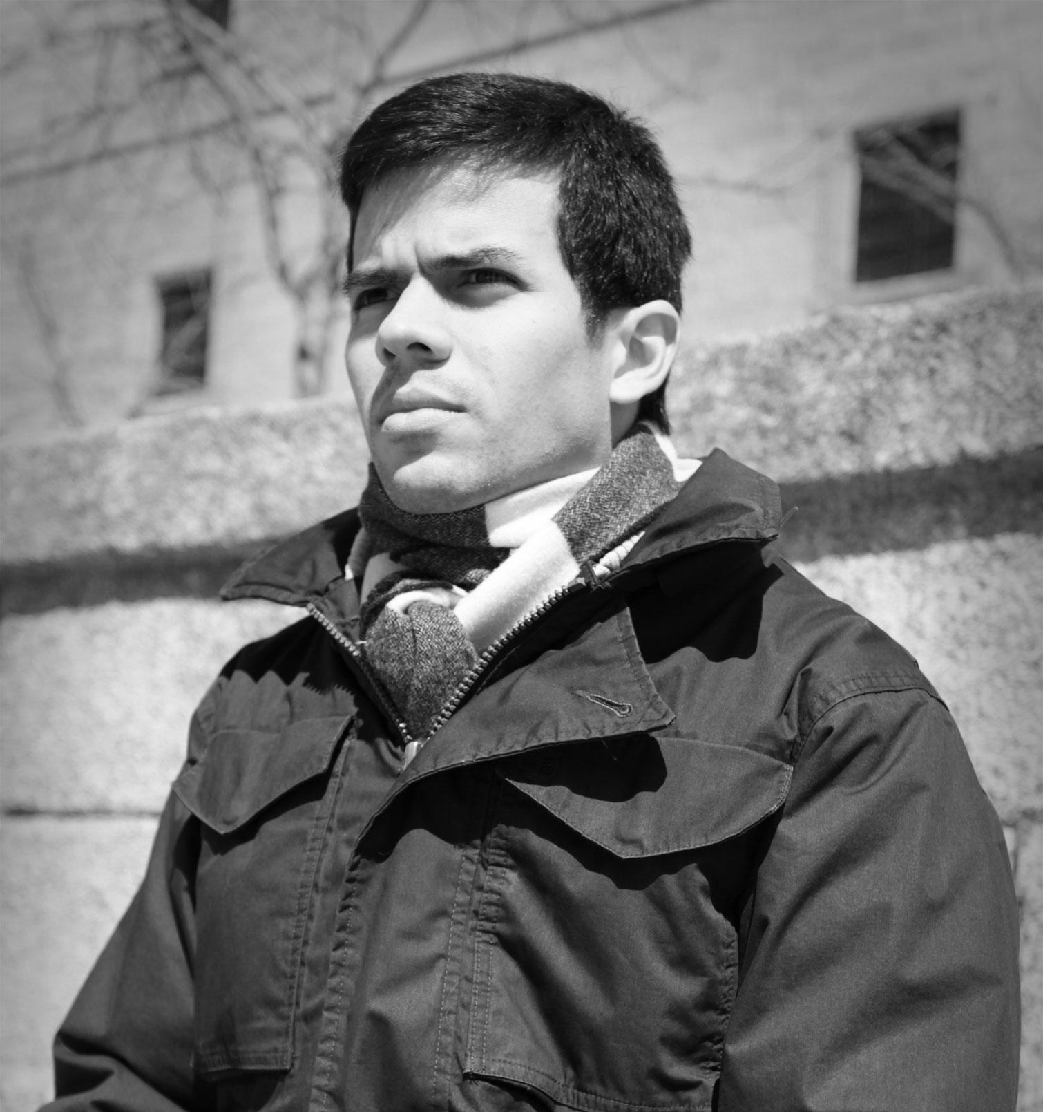 Portrait of Eduardo Sánchez Rugeles by photographer Inírida Gómez-Castro