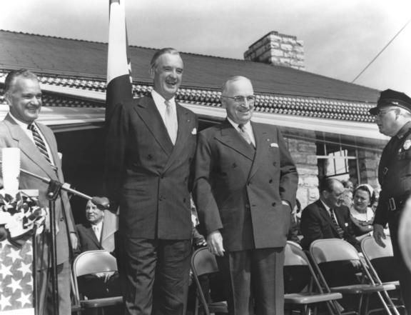 File:Groundbreaking ceremony for Truman Library, 1955.jpg