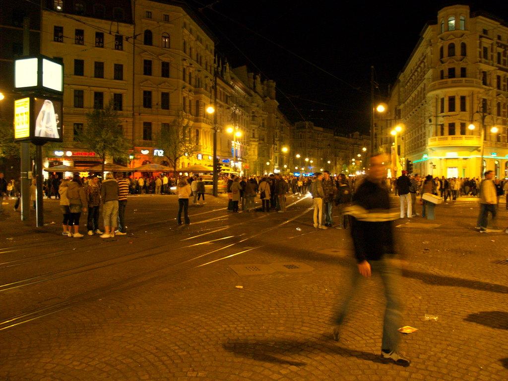 Hassel Night Line Magdeburg.jpg