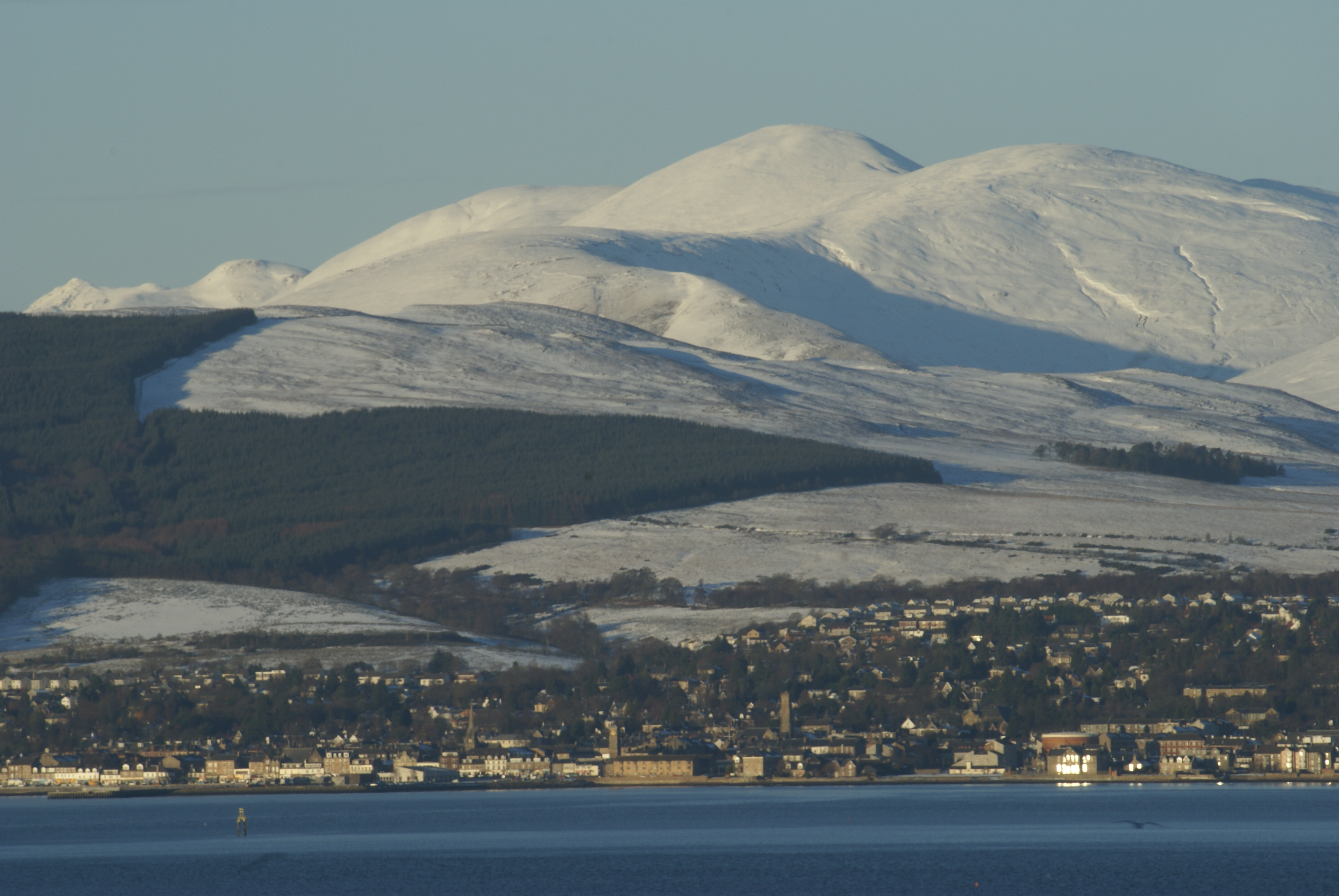 elensburgh, winter scene. Image captured through a telephoto lens from Greenock to the south.