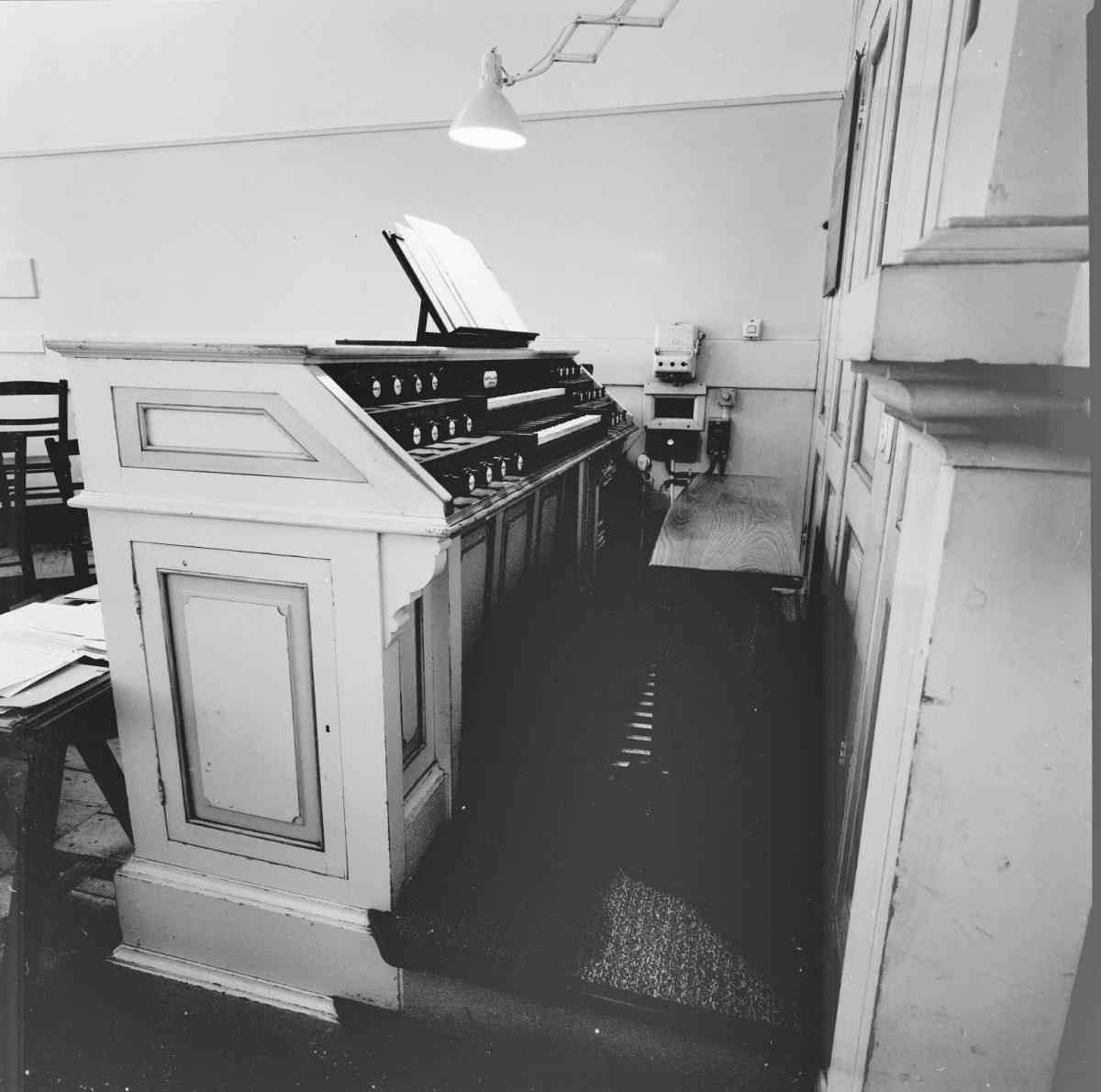 File interieur kleine kerkzaal orgel klaviatuur zeist for Interieur 605