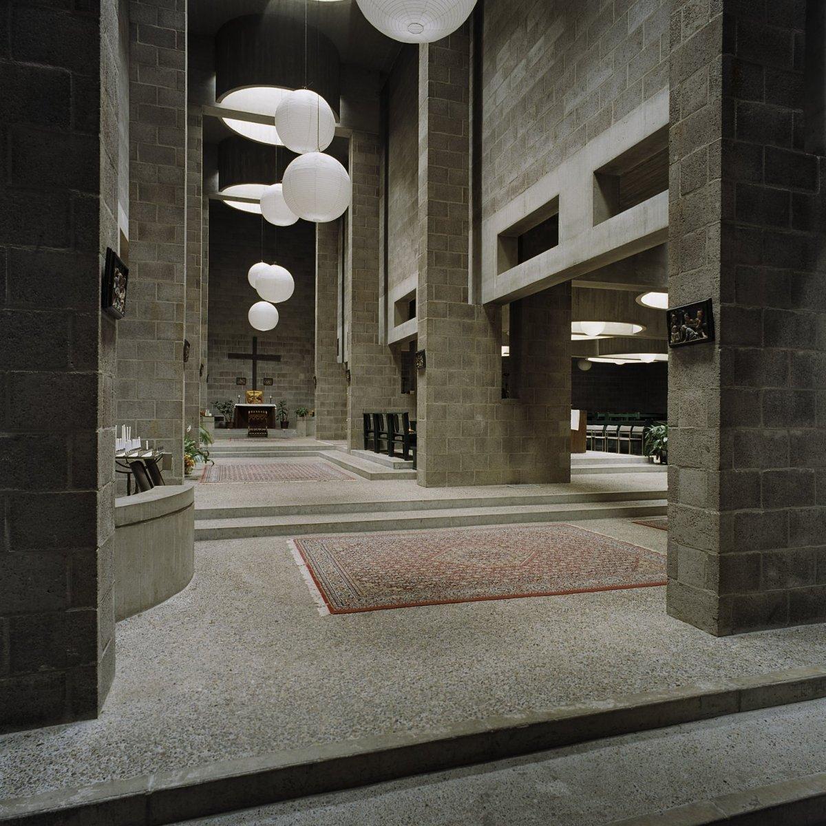 File interieur lichtinval door de lichtkoepels 39 s for Melchior interieur den haag
