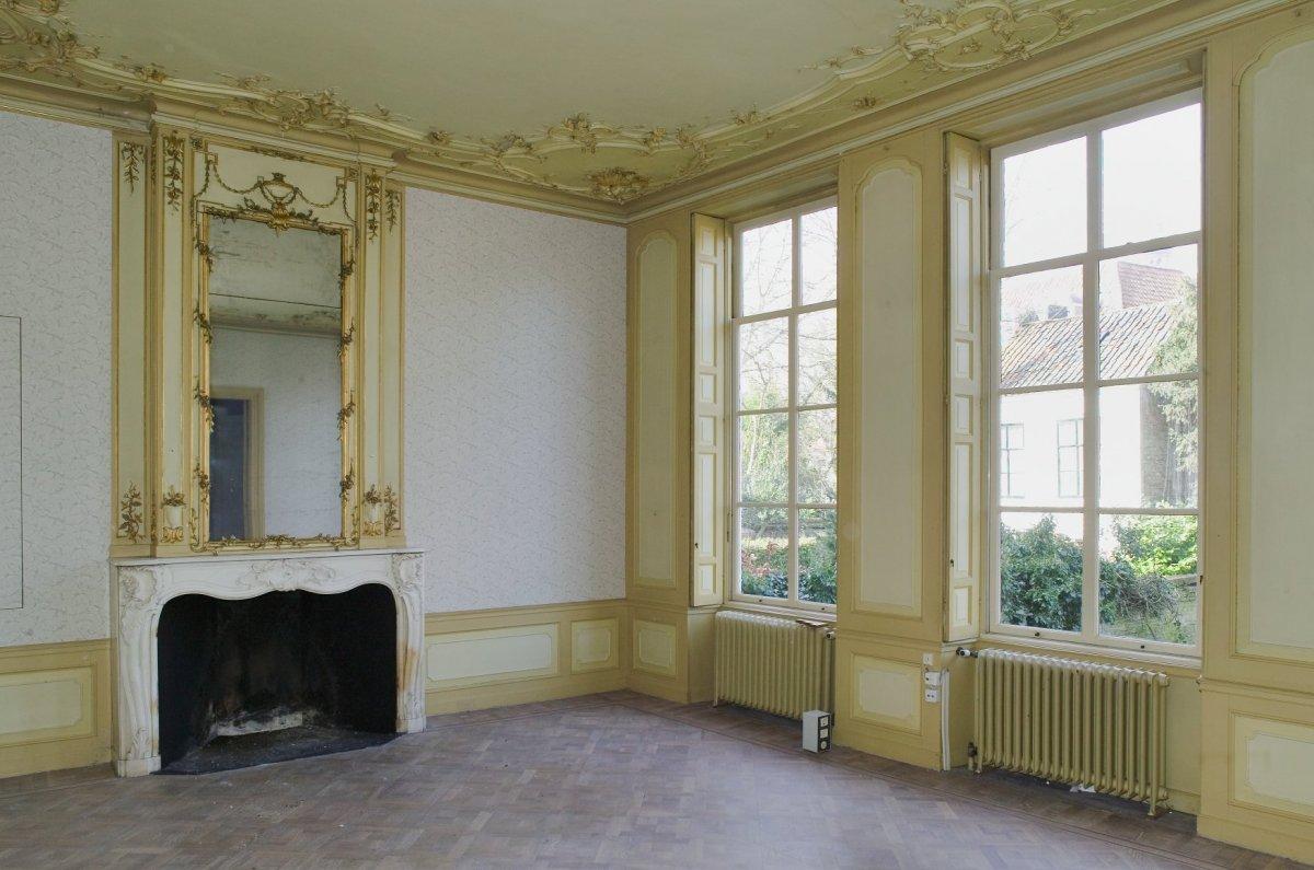 File interieur overzicht van de linker achterkamer met for Binnen interieur