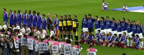 Italy (right) lineup ahead of the UEFA Euro 2000 Final against France Italy - France, 2 July 2000.jpg