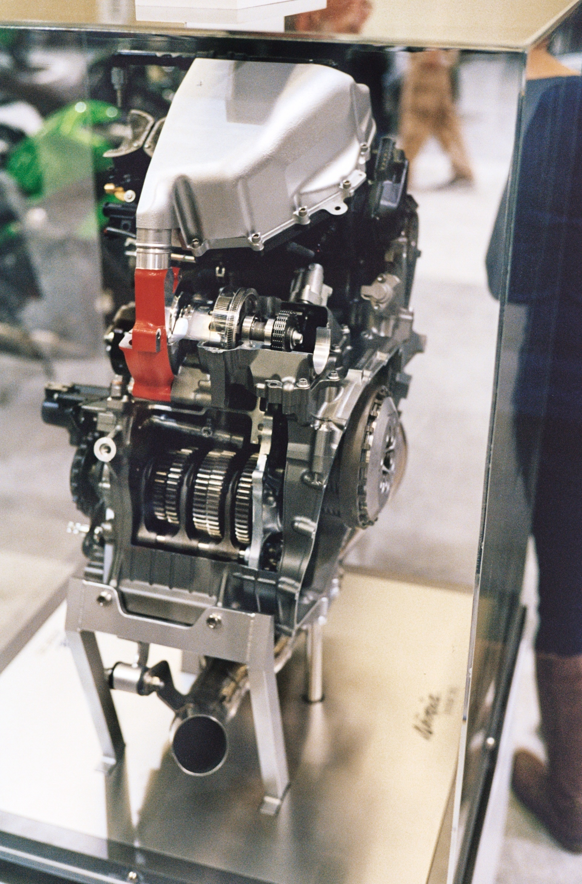 FileKawasaki Ninja H2R Engine Cutaway RearJPG