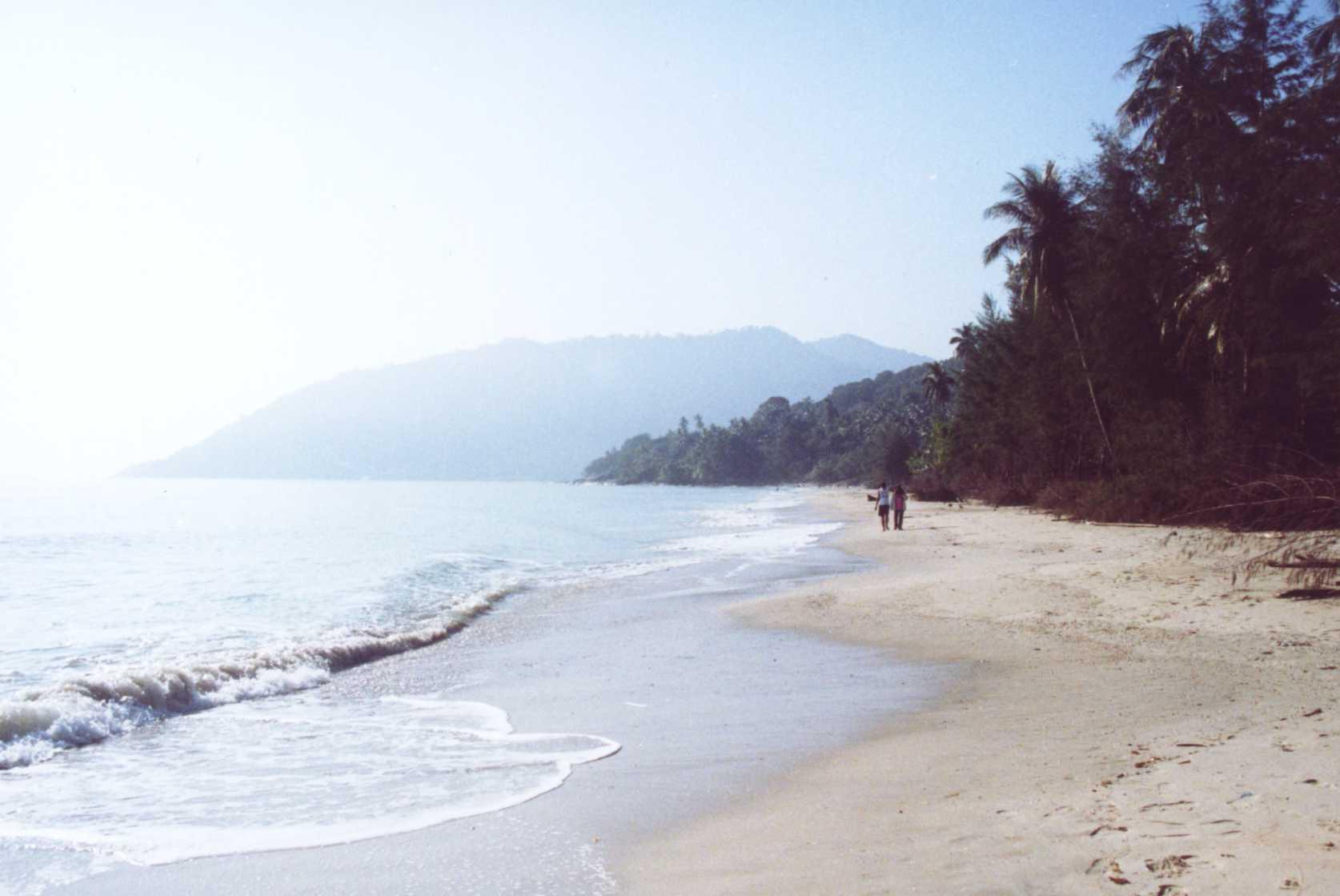 File:Khanom Beach.jpg